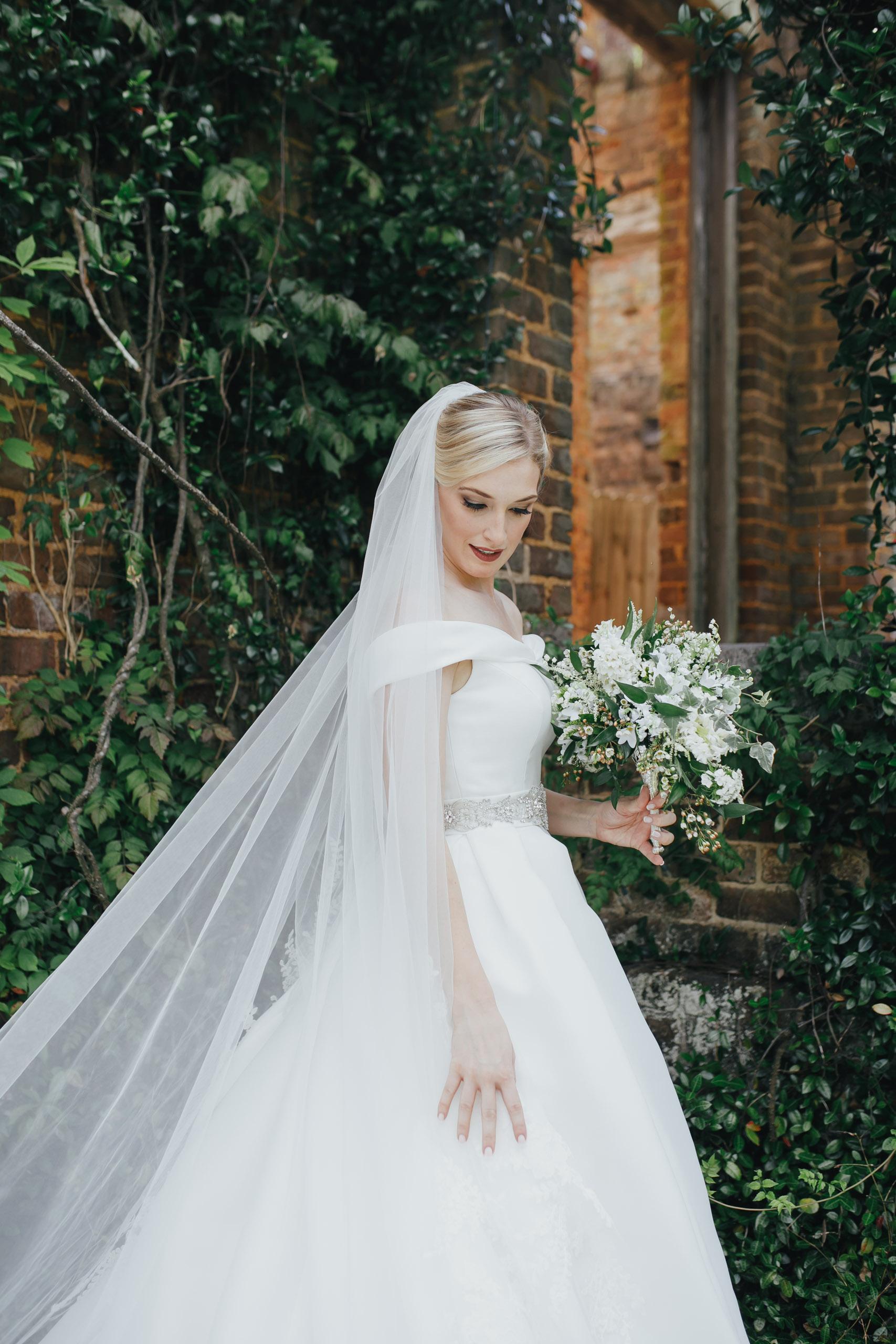 A&E Barnsley Garden Wedding (Prep-Portraits)-147.jpg