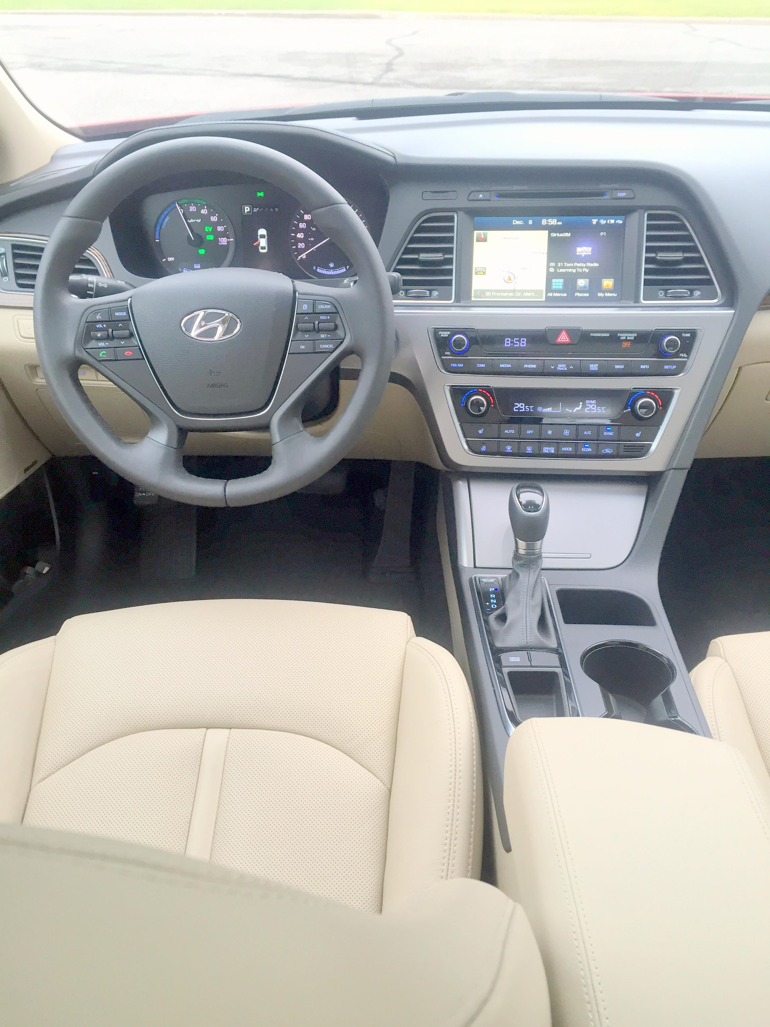 2016 Hyundai Sonata Hybrid(5).JPG