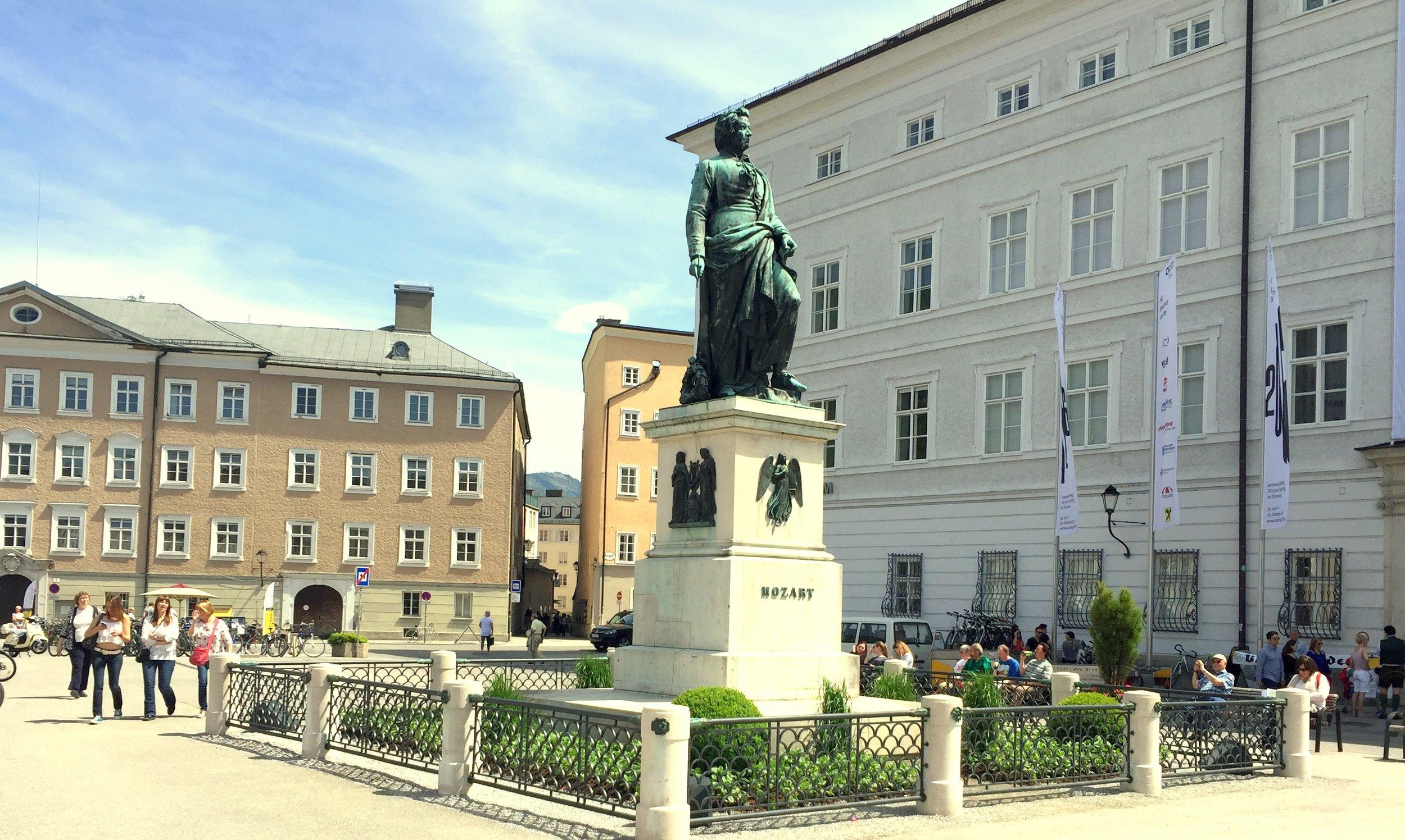 Mozartplatz.JPG