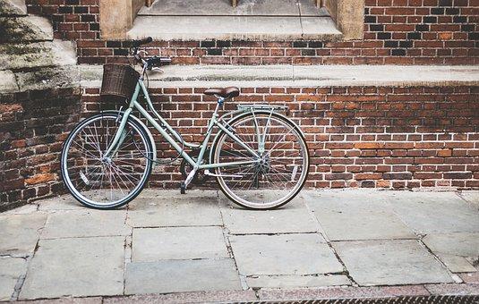 bicycle-1838416__340.jpg