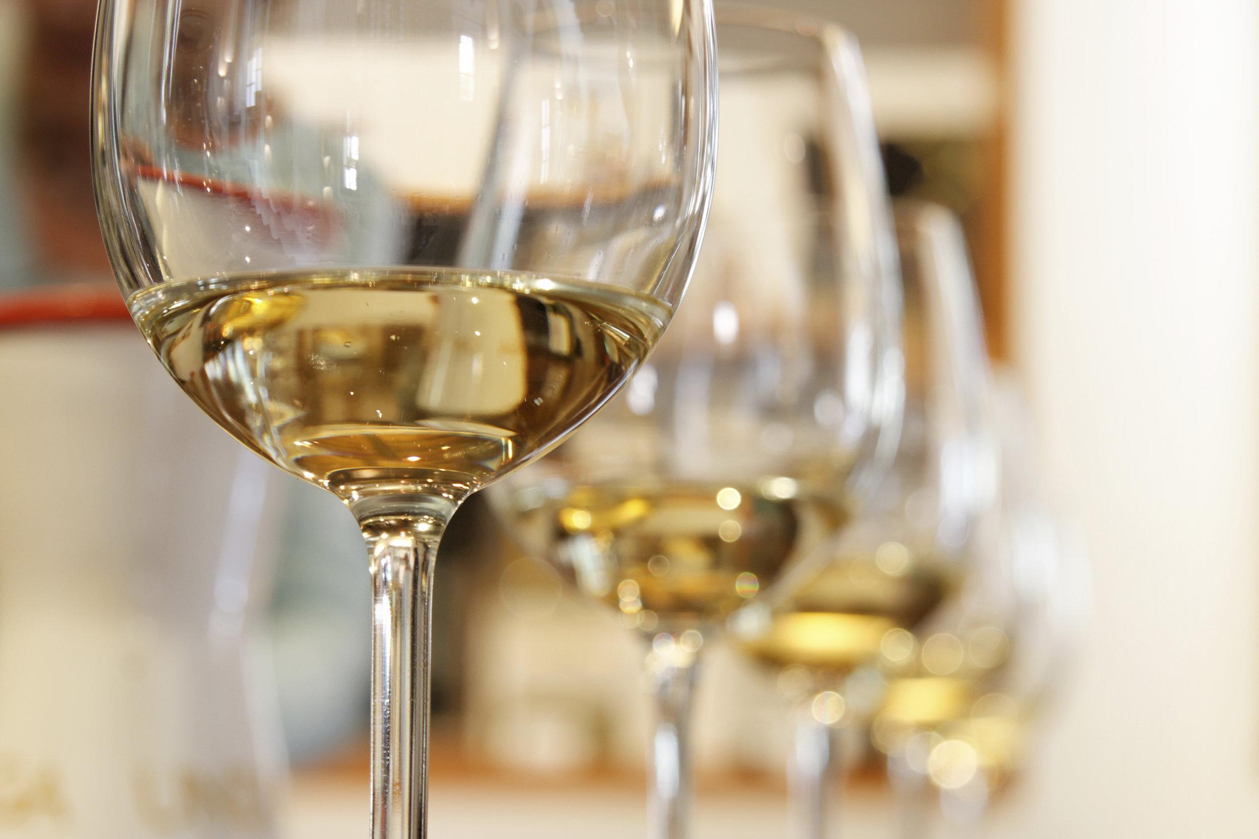 IMAGE 6_White Wine Tasting Glasses.jpg