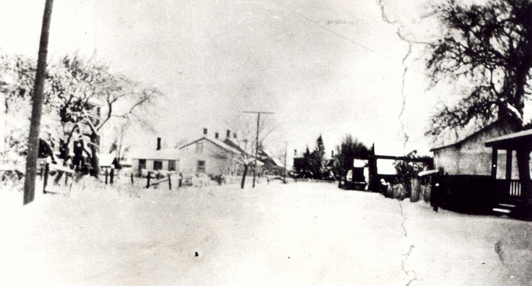 Cooksville - Agnes Street at Cook Street, looking east, c1930.jpg