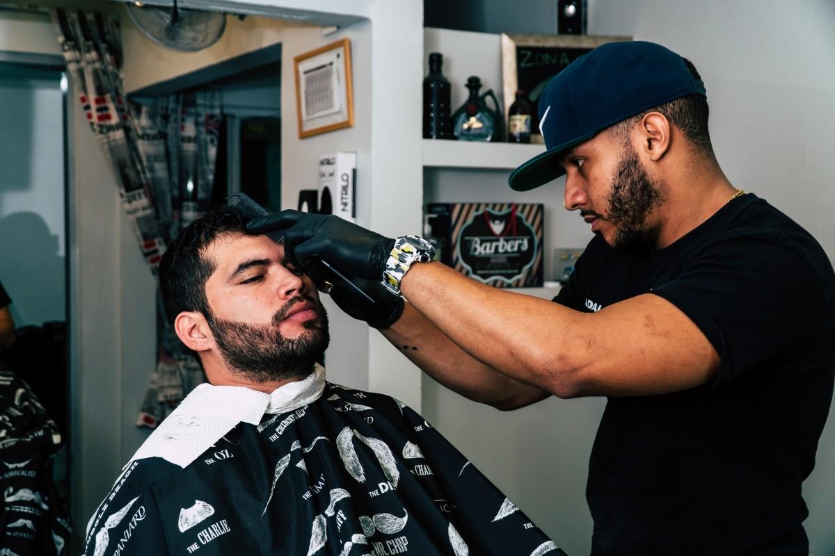 barber_barbershop_facial_hair_haircut_indoors_men_people-1511057.jpg