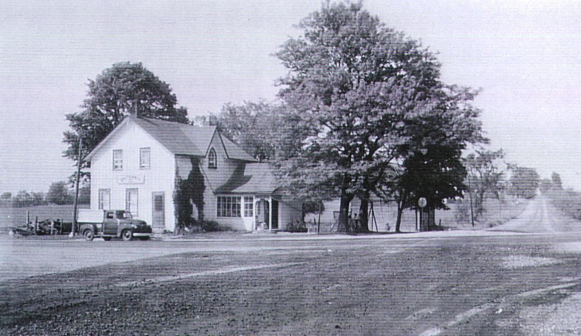 Britannia General Store and Post Office - Britannia Road looking east c1950.JPG