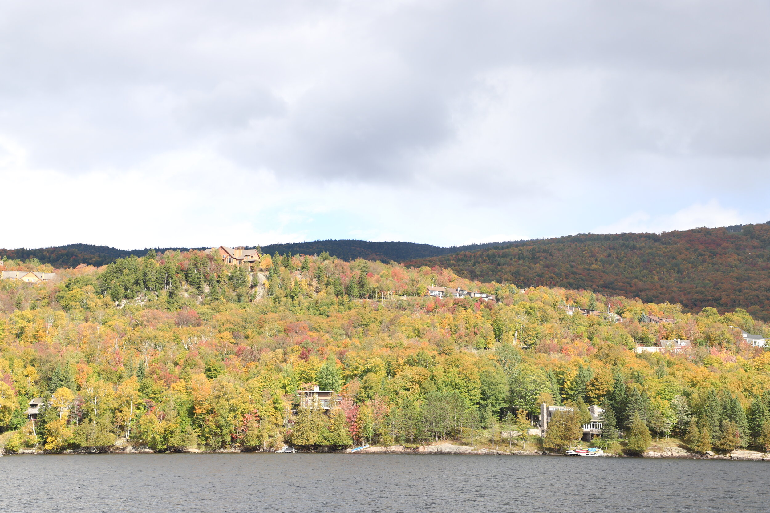 MM21 Pages 12 to 14 Tremblant by boat cruise.JPG