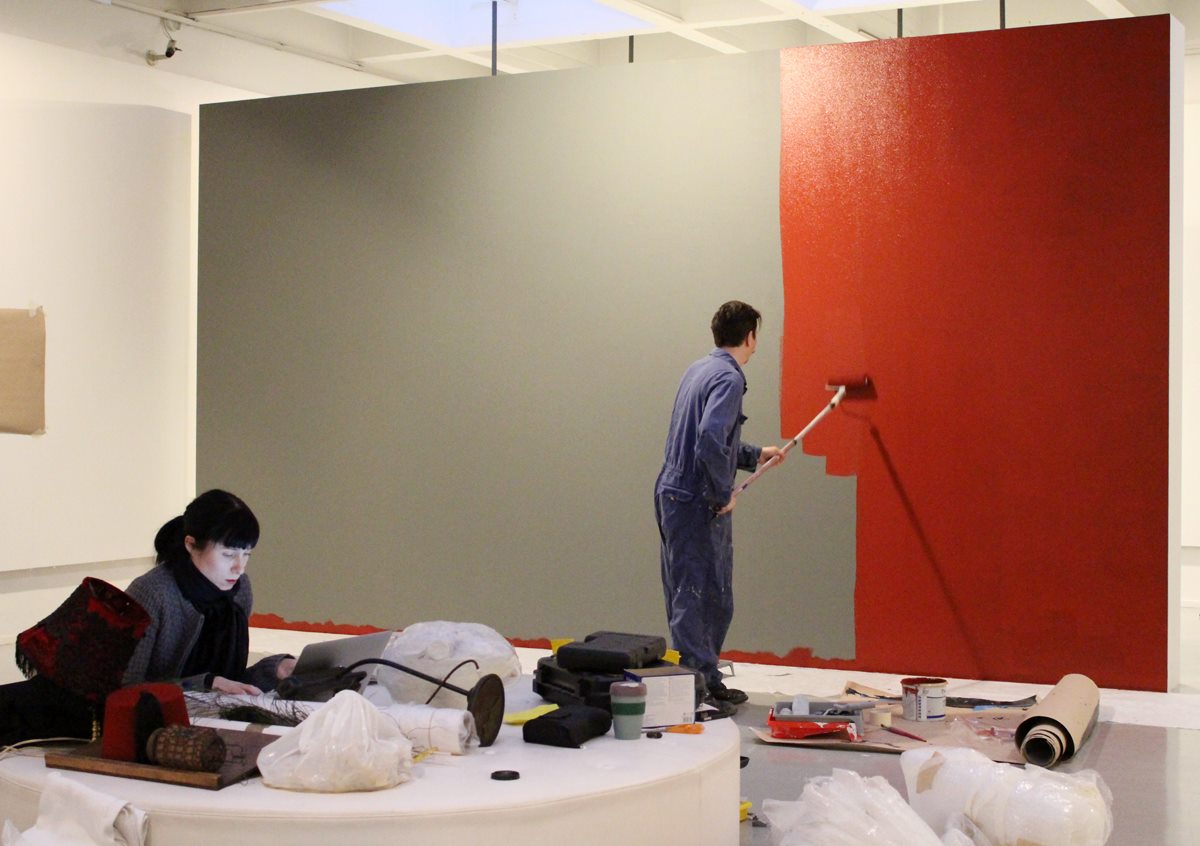 """2014 Building the exhibition """"Time Travel"""". Photo: Lilli Haapala."""