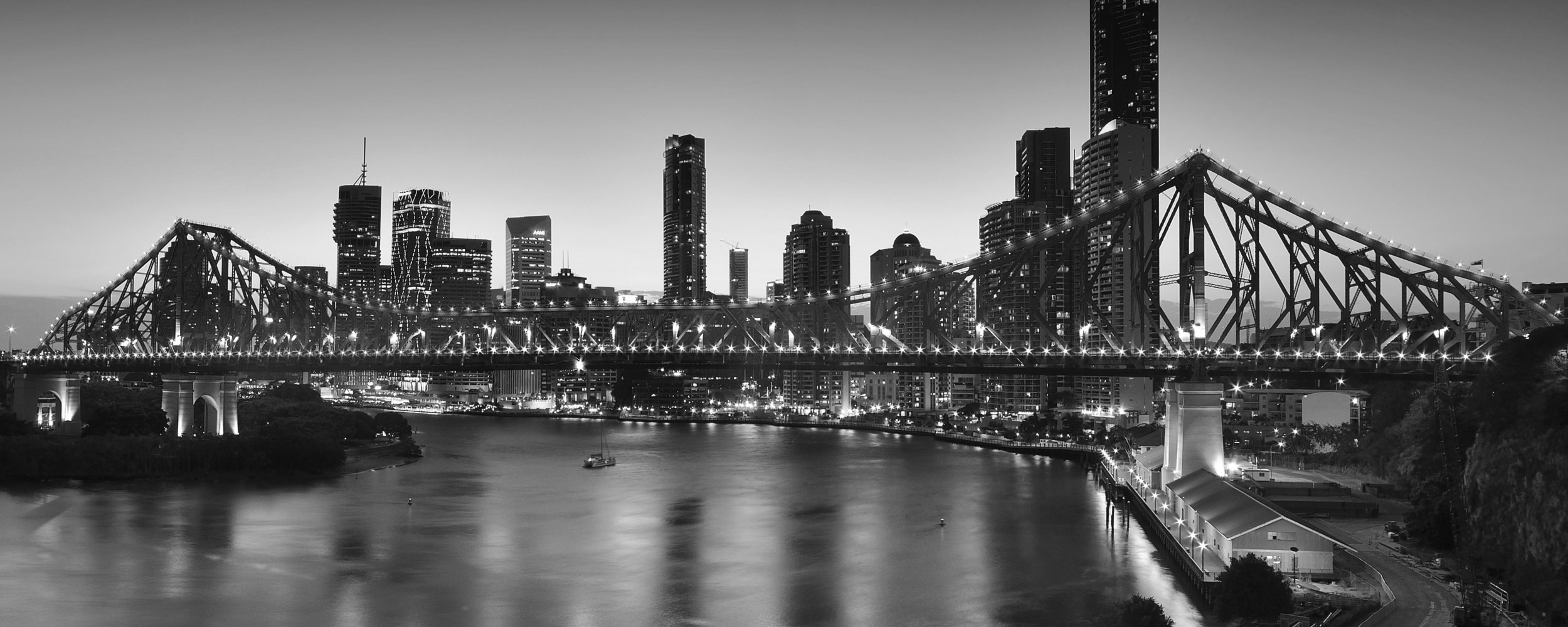 - Ronan Fox is a commercial law firm situated in the heart of Brisbane's CBD.We have specialised knowledge and experience in providing professional and legal advice and financial planning.
