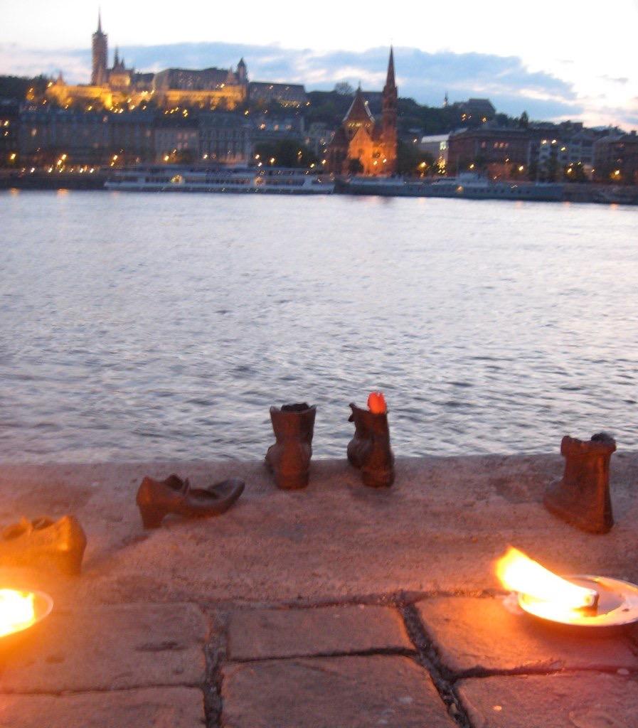 The Shoe Memorial, Budapest