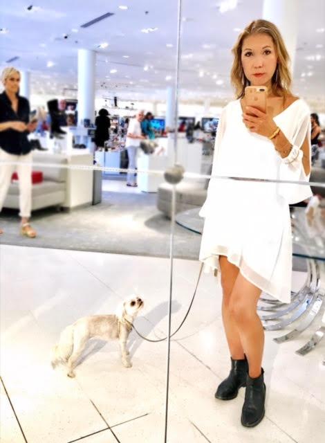 The mirror selfie pose @total_genius