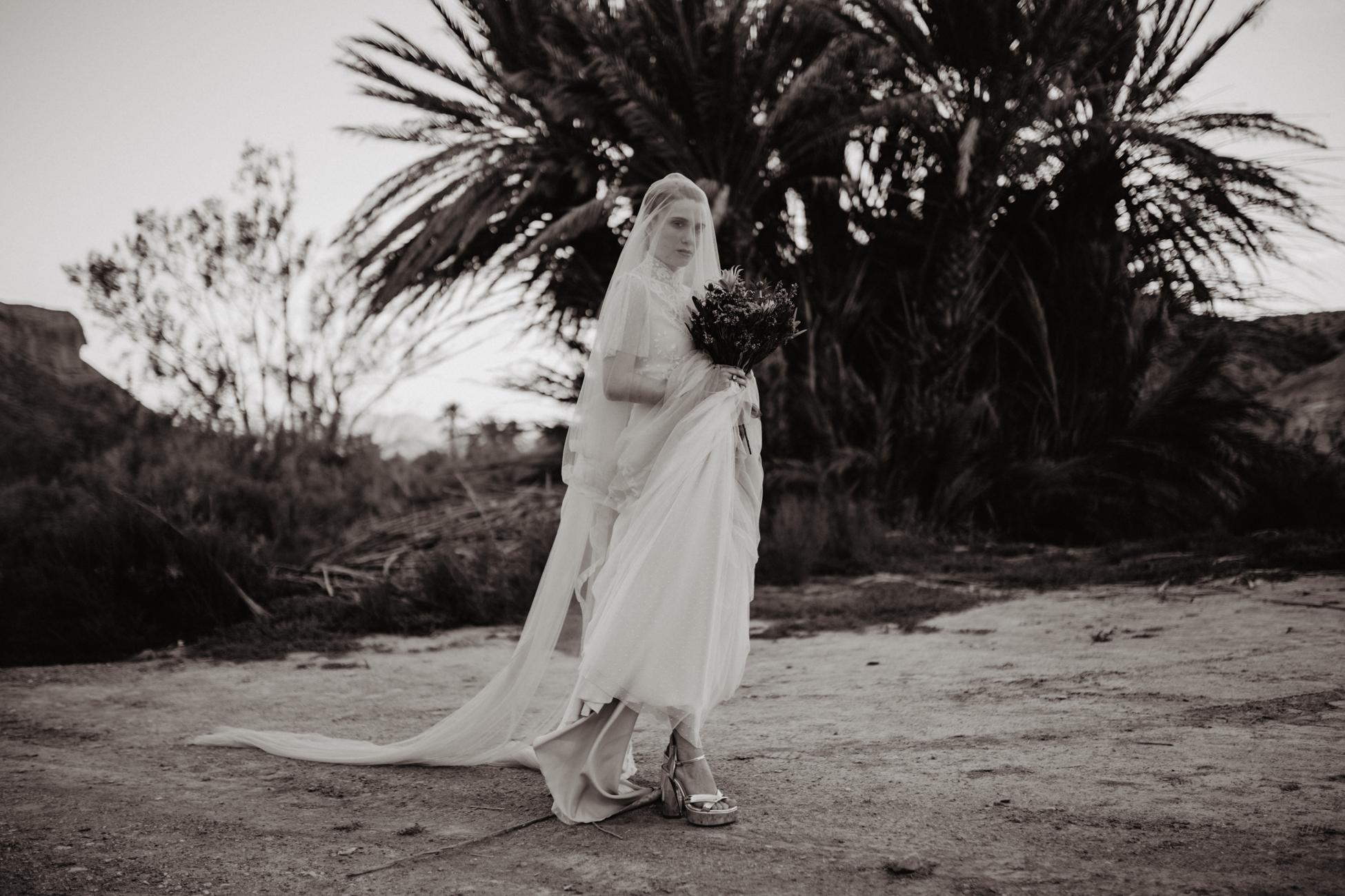 thenortherngirlphotography_photography_thenortherngirl_rebeccascabros_wedding_weddingphotography_weddingphotographer_wood_muebles_deco_bodasdecaramelo_home_bedtime_gaywedding_editorial_desierto_desert_wildestdreams_amortexano-356.jpg