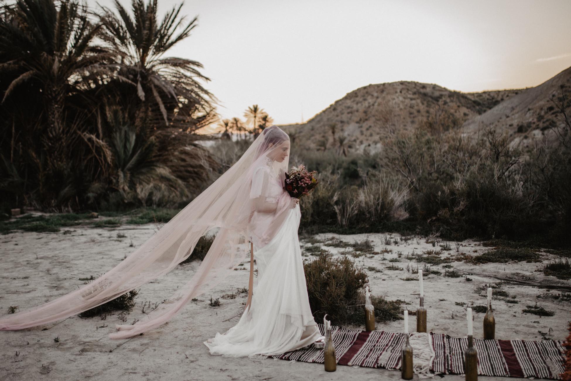 thenortherngirlphotography_photography_thenortherngirl_rebeccascabros_wedding_weddingphotography_weddingphotographer_wood_muebles_deco_bodasdecaramelo_home_bedtime_gaywedding_editorial_desierto_desert_wildestdreams_amortexano-358.jpg