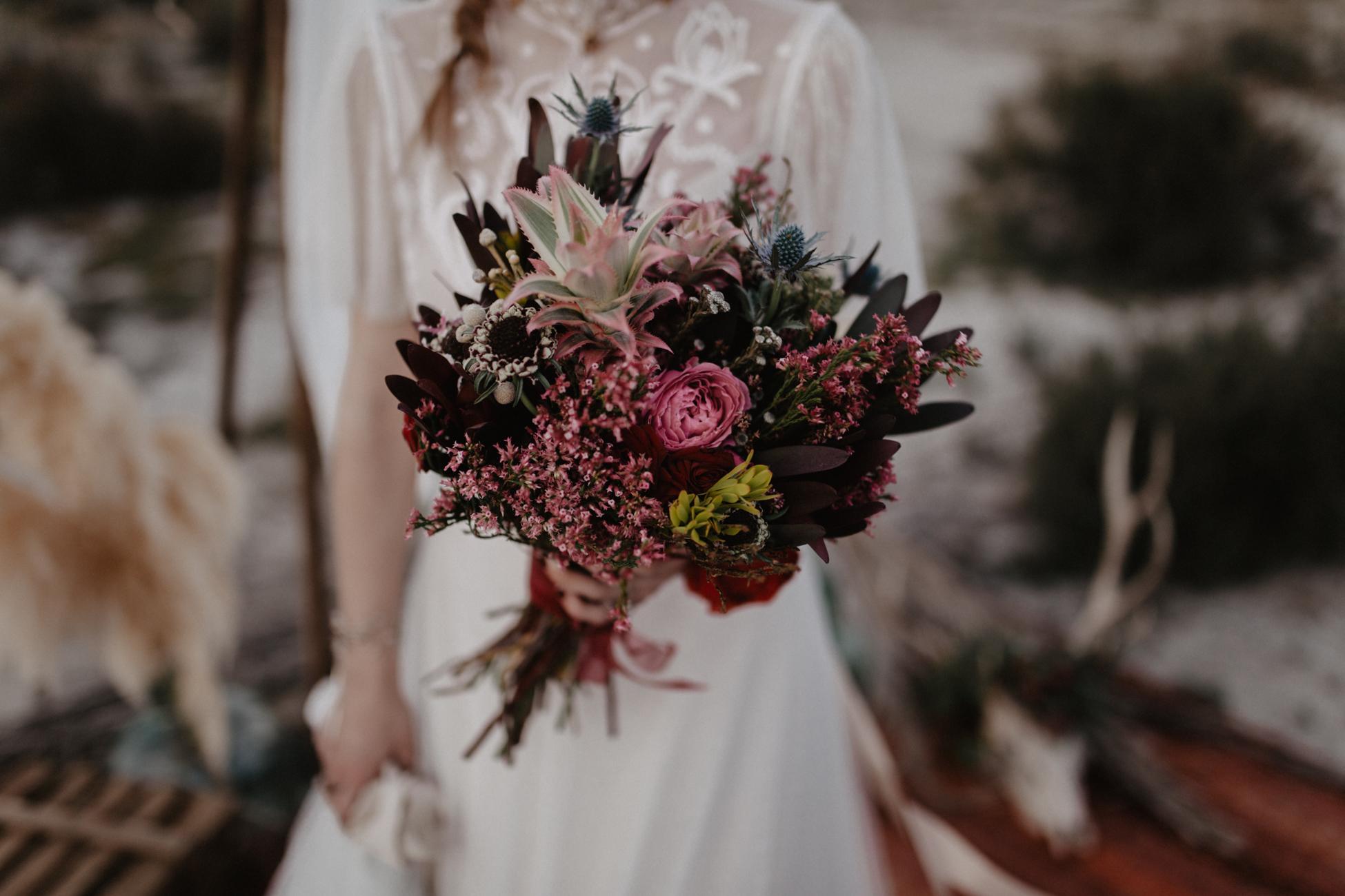 thenortherngirlphotography_photography_thenortherngirl_rebeccascabros_wedding_weddingphotography_weddingphotographer_wood_muebles_deco_bodasdecaramelo_home_bedtime_gaywedding_editorial_desierto_desert_wildestdreams_amortexano-444.jpg