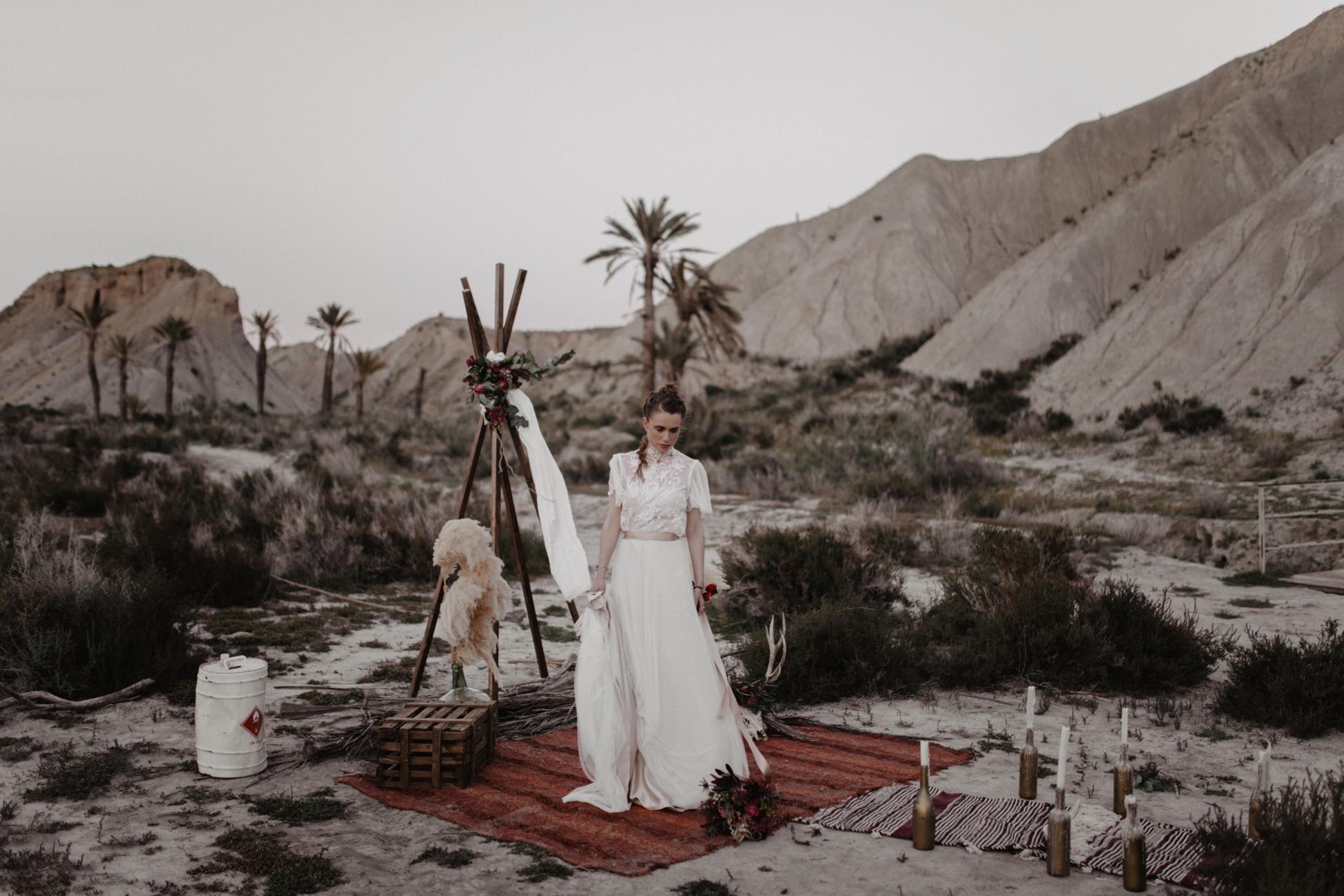 thenortherngirlphotography_photography_thenortherngirl_rebeccascabros_wedding_weddingphotography_weddingphotographer_wood_muebles_deco_bodasdecaramelo_home_bedtime_gaywedding_editorial_desierto_desert_wildestdreams_amortexano-449.jpg