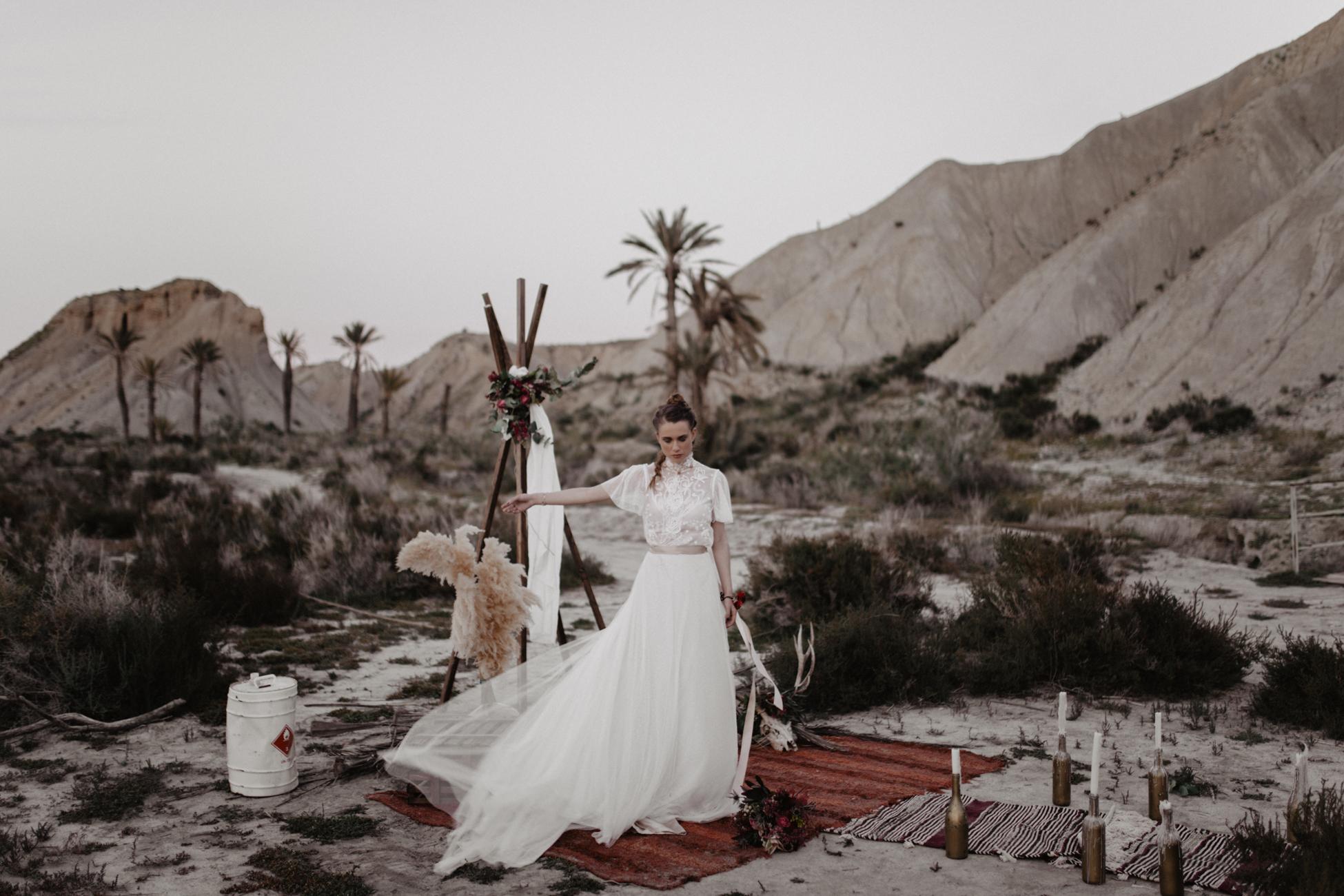 thenortherngirlphotography_photography_thenortherngirl_rebeccascabros_wedding_weddingphotography_weddingphotographer_wood_muebles_deco_bodasdecaramelo_home_bedtime_gaywedding_editorial_desierto_desert_wildestdreams_amortexano-454.jpg