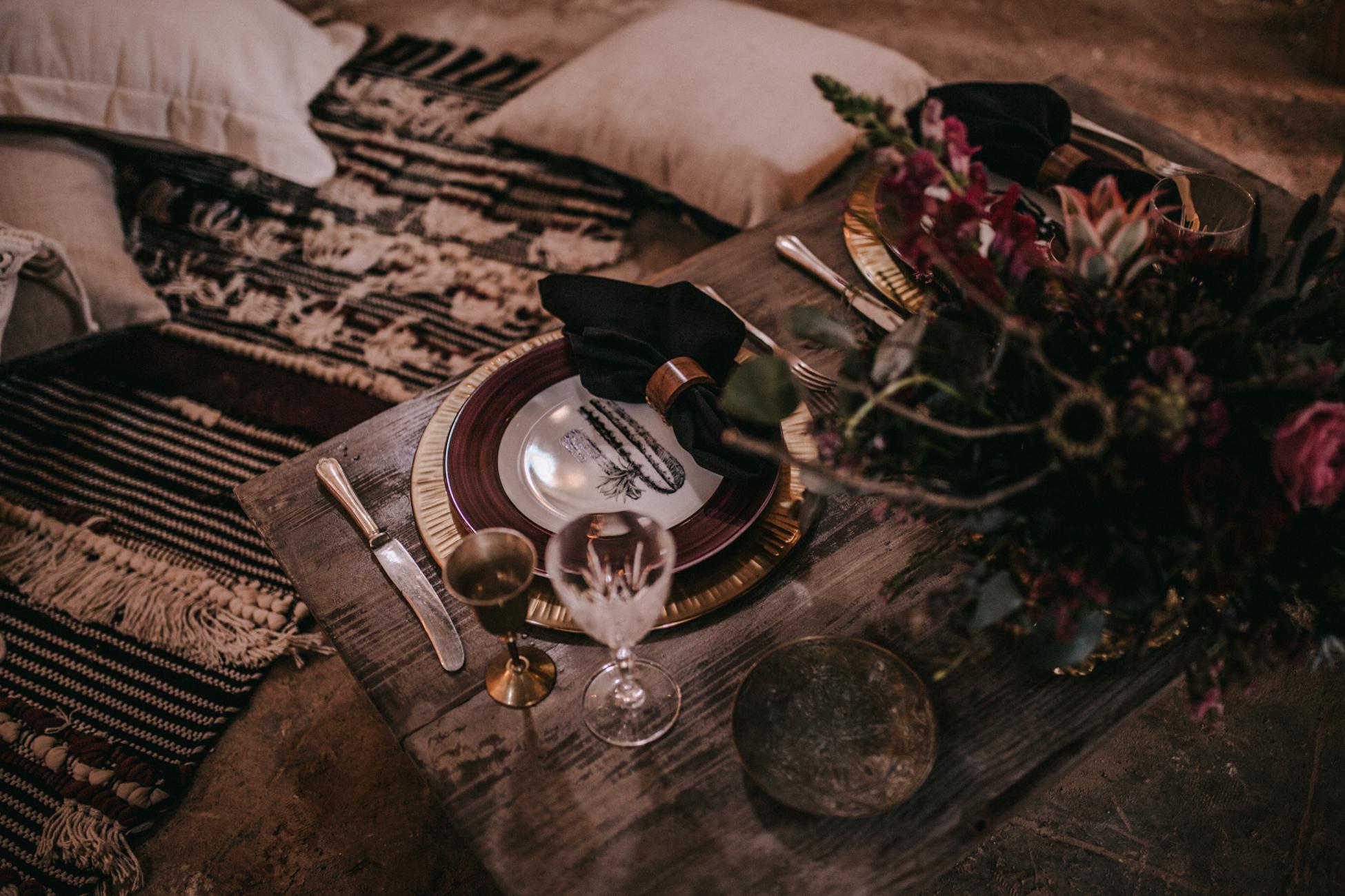 thenortherngirlphotography_photography_thenortherngirl_rebeccascabros_wedding_weddingphotography_weddingphotographer_wood_muebles_deco_bodasdecaramelo_home_bedtime_gaywedding_editorial_desierto_desert_wildestdreams_amortexano-2.jpg
