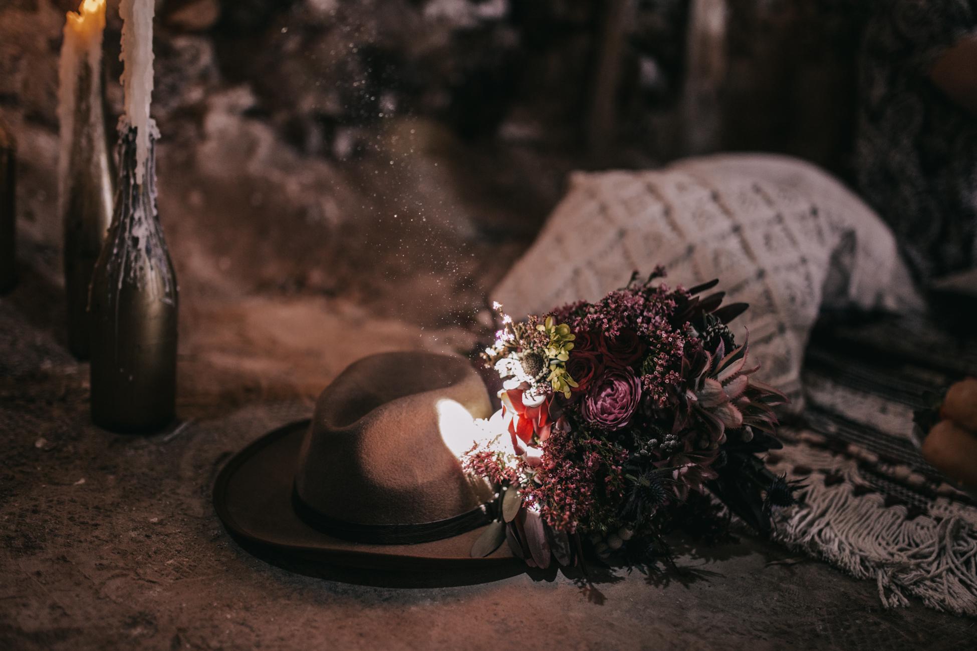 thenortherngirlphotography_photography_thenortherngirl_rebeccascabros_wedding_weddingphotography_weddingphotographer_wood_muebles_deco_bodasdecaramelo_home_bedtime_gaywedding_editorial_desierto_desert_wildestdreams_amortexano-112.jpg