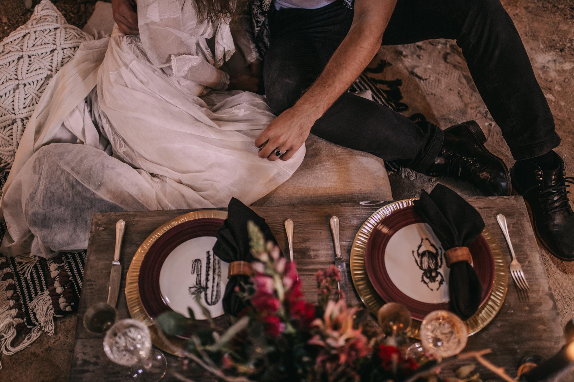 thenortherngirlphotography_photography_thenortherngirl_rebeccascabros_wedding_weddingphotography_weddingphotographer_wood_muebles_deco_bodasdecaramelo_home_bedtime_gaywedding_editorial_desierto_desert_wildestdreams_amortexano-124.jpg