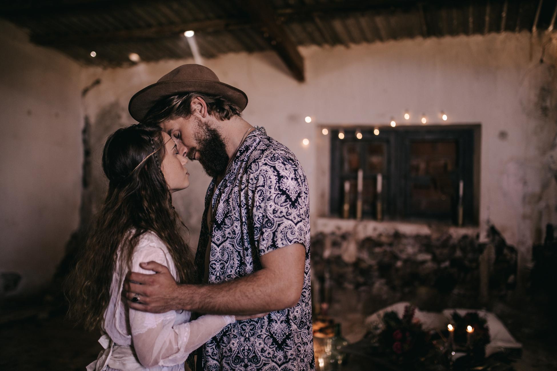thenortherngirlphotography_photography_thenortherngirl_rebeccascabros_wedding_weddingphotography_weddingphotographer_wood_muebles_deco_bodasdecaramelo_home_bedtime_gaywedding_editorial_desierto_desert_wildestdreams_amortexano-227.jpg