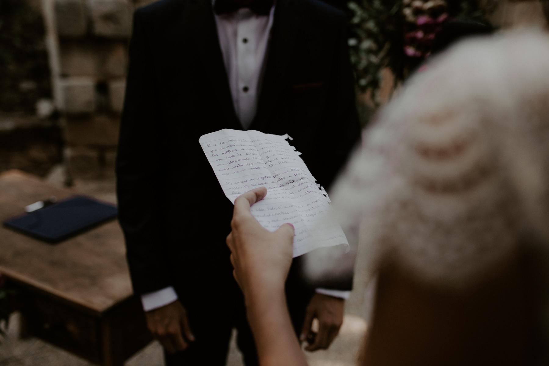 alt_thenortherngirlphotography_couples_weddingphotographer_photographer_wedding_boda_fotografodebodas_fotografobodasbarcelona_bodaindie_bodasconestilo_bodaensantperedeclara_jennifermiguel-339.jpg