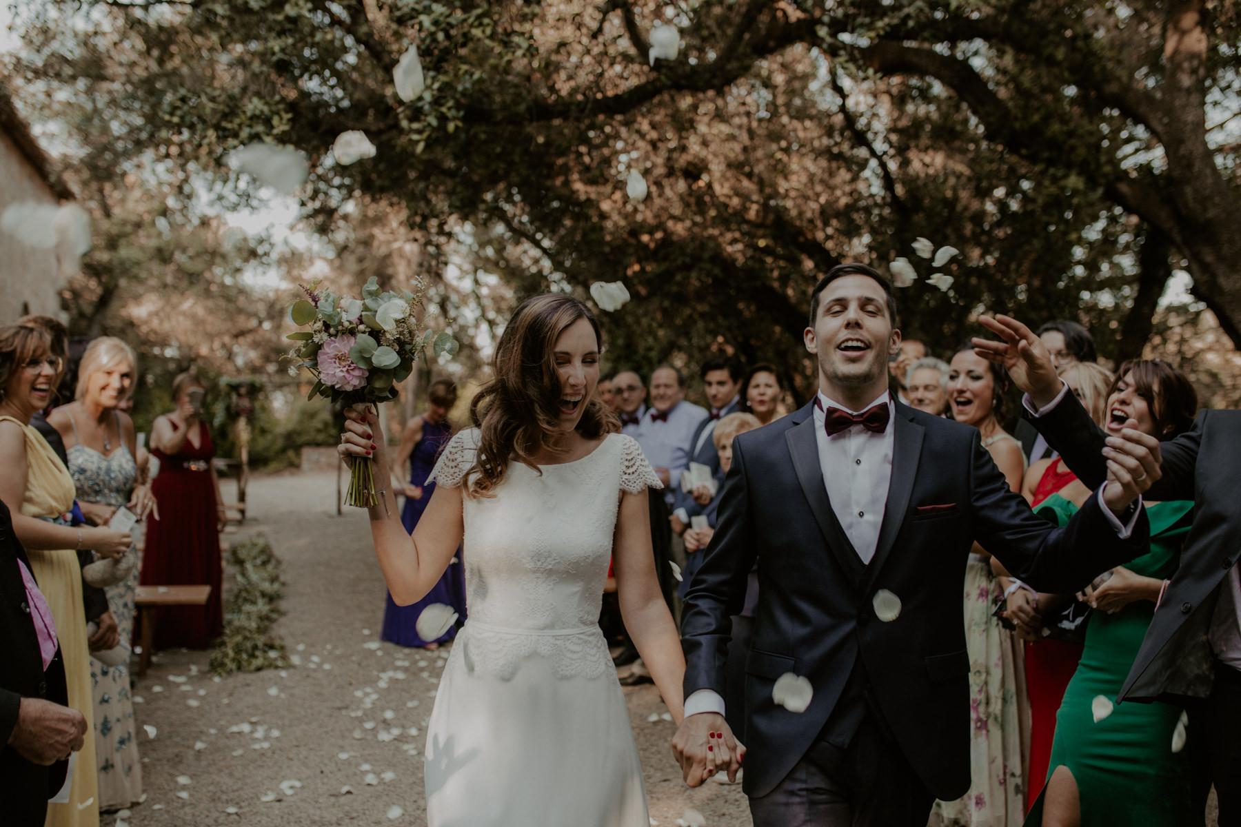 alt_thenortherngirlphotography_couples_weddingphotographer_photographer_wedding_boda_fotografodebodas_fotografobodasbarcelona_bodaindie_bodasconestilo_bodaensantperedeclara_jennifermiguel-406.jpg