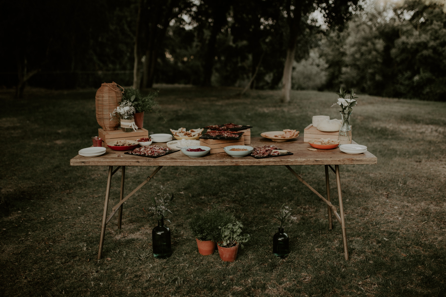 alt_thenortherngirlphotography_couples_weddingphotographer_photographer_wedding_boda_fotografodebodas_fotografobodasbarcelona_bodaindie_bodasconestilo_bodaensantperedeclara_jennifermiguel-585.jpg
