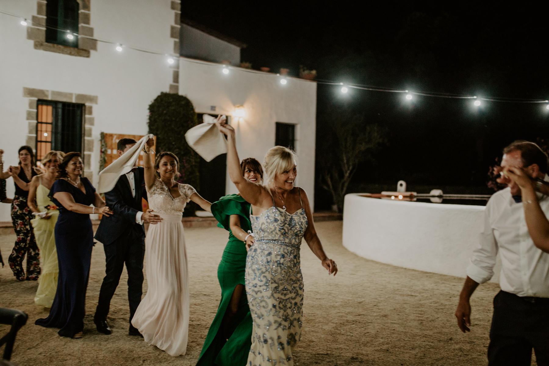 alt_thenortherngirlphotography_couples_weddingphotographer_photographer_wedding_boda_fotografodebodas_fotografobodasbarcelona_bodaindie_bodasconestilo_bodaensantperedeclara_jennifermiguel-820.jpg