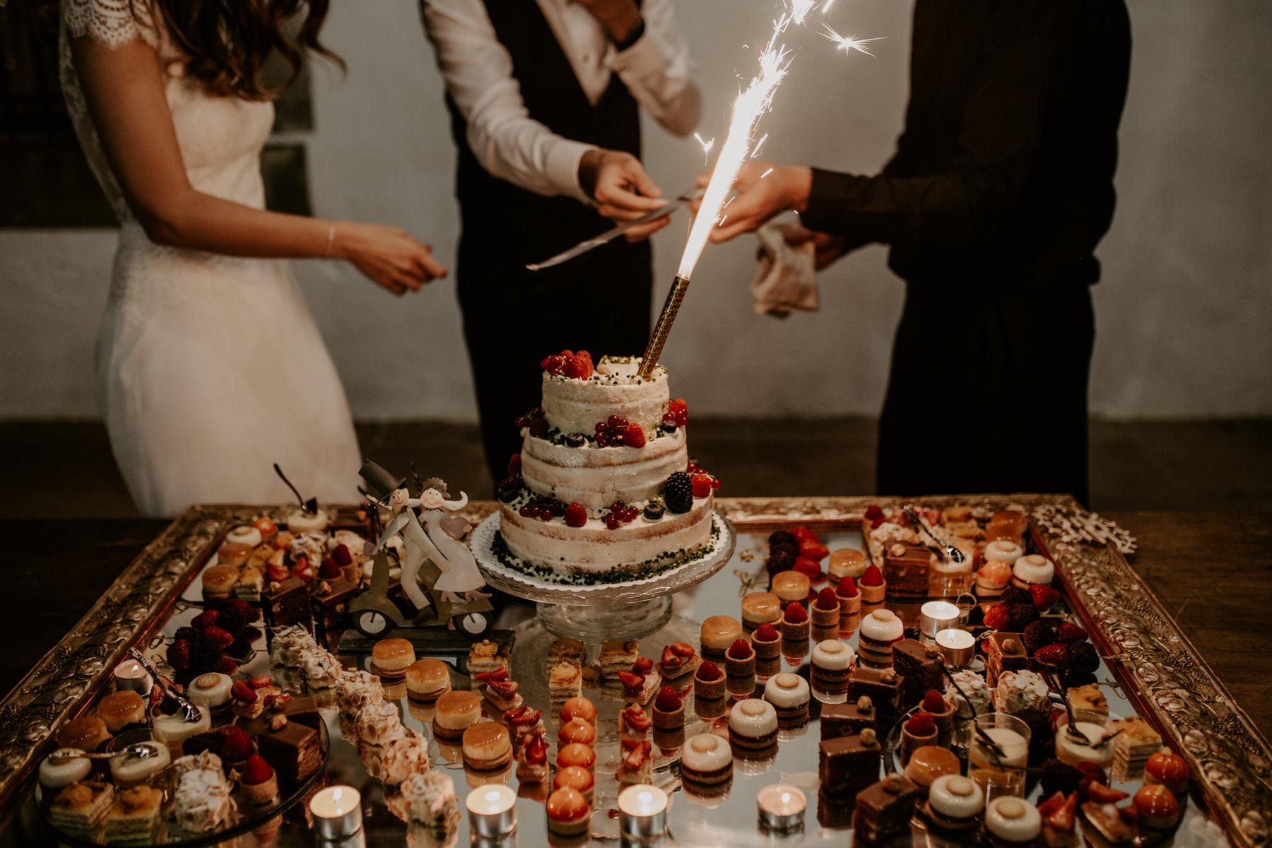 alt_thenortherngirlphotography_couples_weddingphotographer_photographer_wedding_boda_fotografodebodas_fotografobodasbarcelona_bodaindie_bodasconestilo_bodaensantperedeclara_jennifermiguel-838.jpg