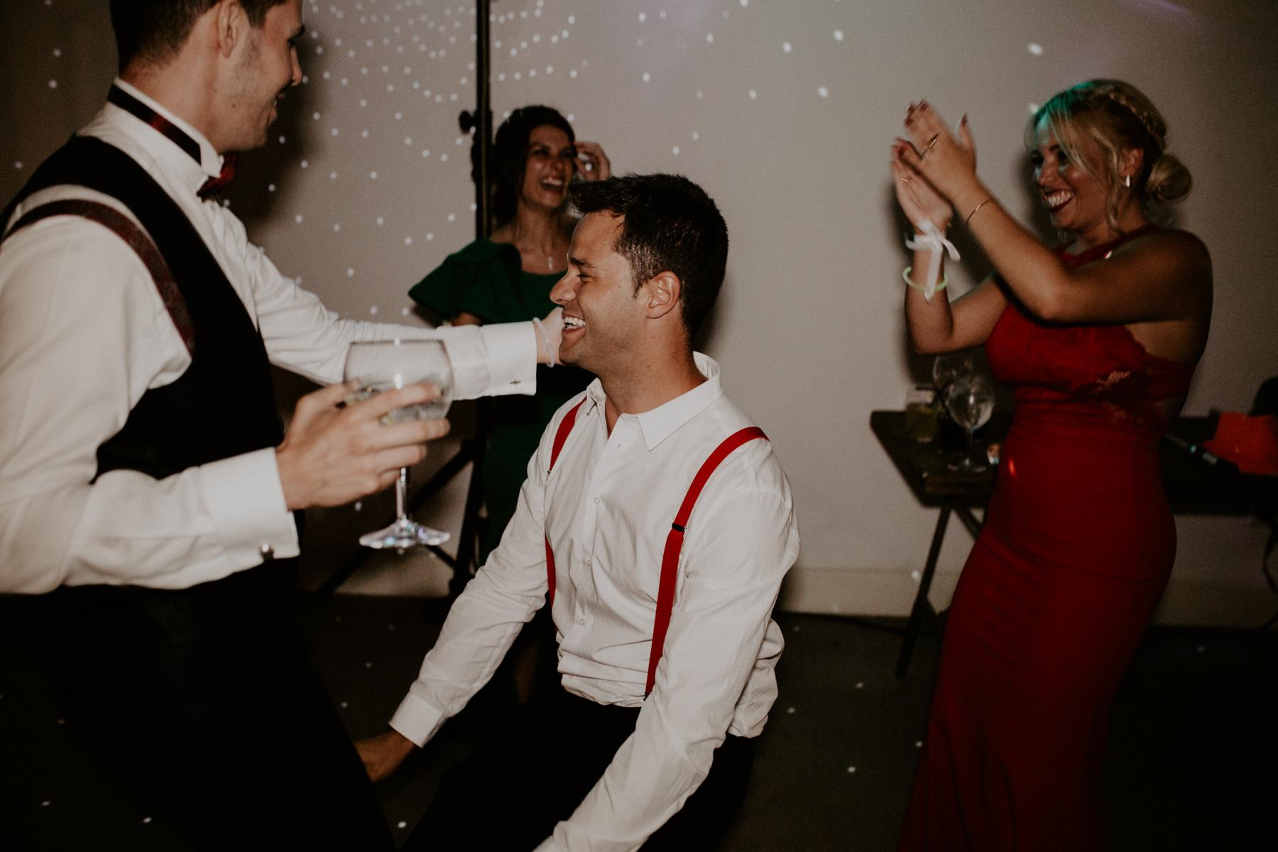 alt_thenortherngirlphotography_couples_weddingphotographer_photographer_wedding_boda_fotografodebodas_fotografobodasbarcelona_bodaindie_bodasconestilo_bodaensantperedeclara_jennifermiguel-1059.jpg