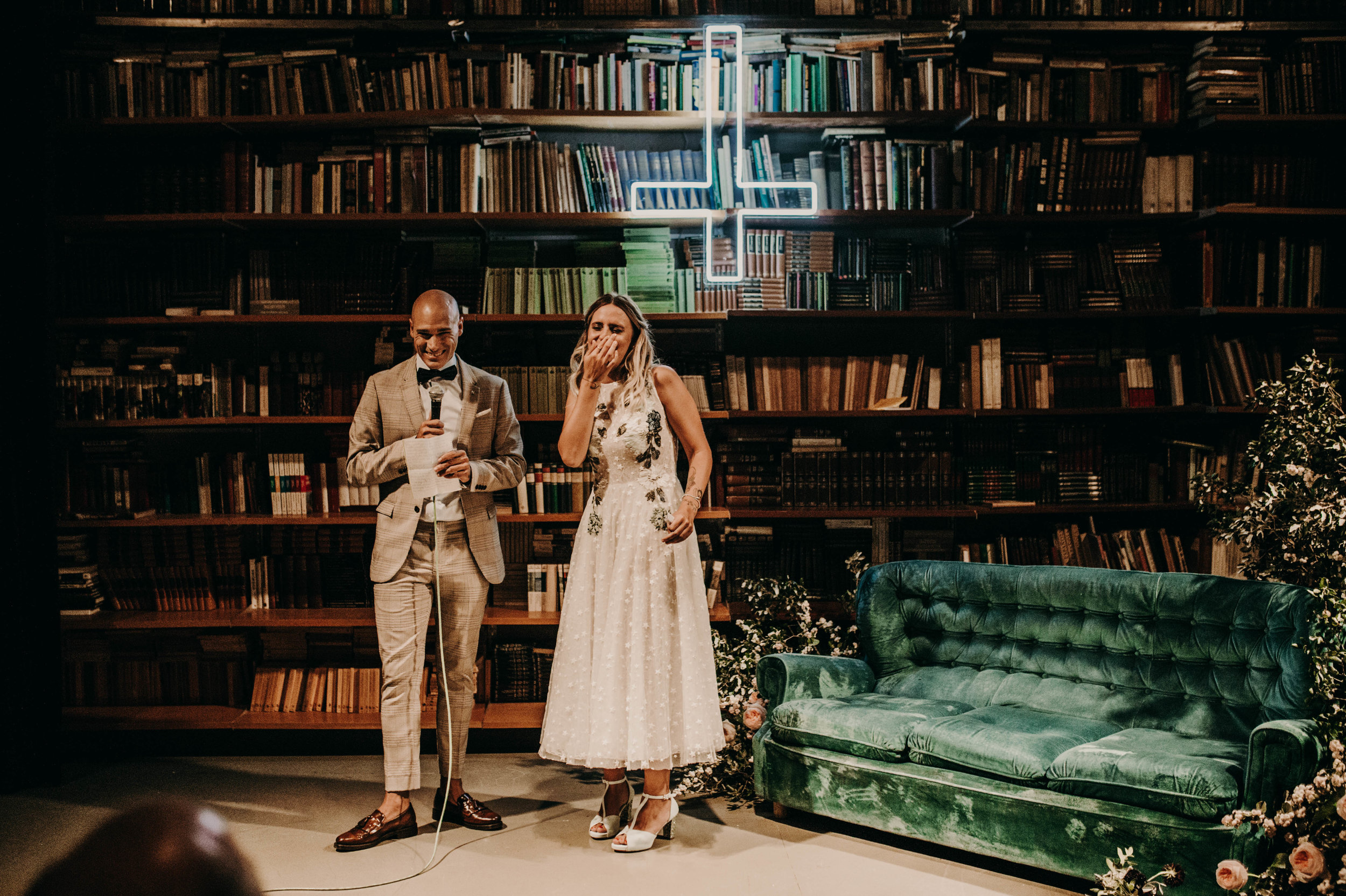 thenortherngirlphotography_bodasindustriales_bodasdiferentes_weddingphotographer_spanishphotographer_spanisgweddingphotographer_happyendings_mercantic_elsiglomercantic_antichrist_love_neon_weddingtattoo_CYNTHIAMANOLO-390.jpg