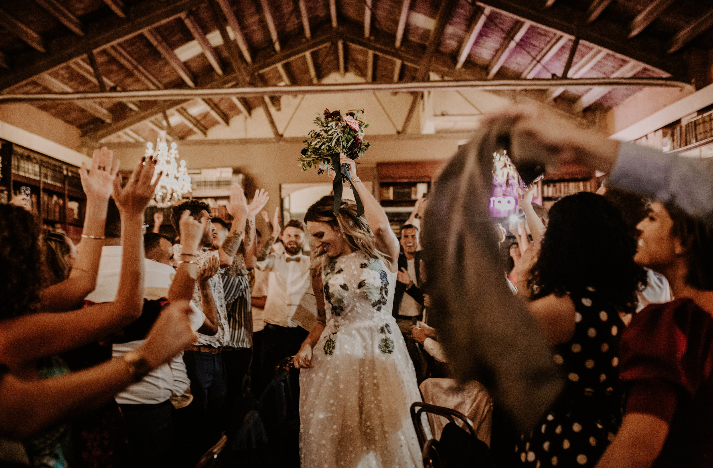 thenortherngirlphotography_bodasindustriales_bodasdiferentes_weddingphotographer_spanishphotographer_spanisgweddingphotographer_happyendings_mercantic_elsiglomercantic_antichrist_love_neon_weddingtattoo_CYNTHIAMANOLO-716.jpg