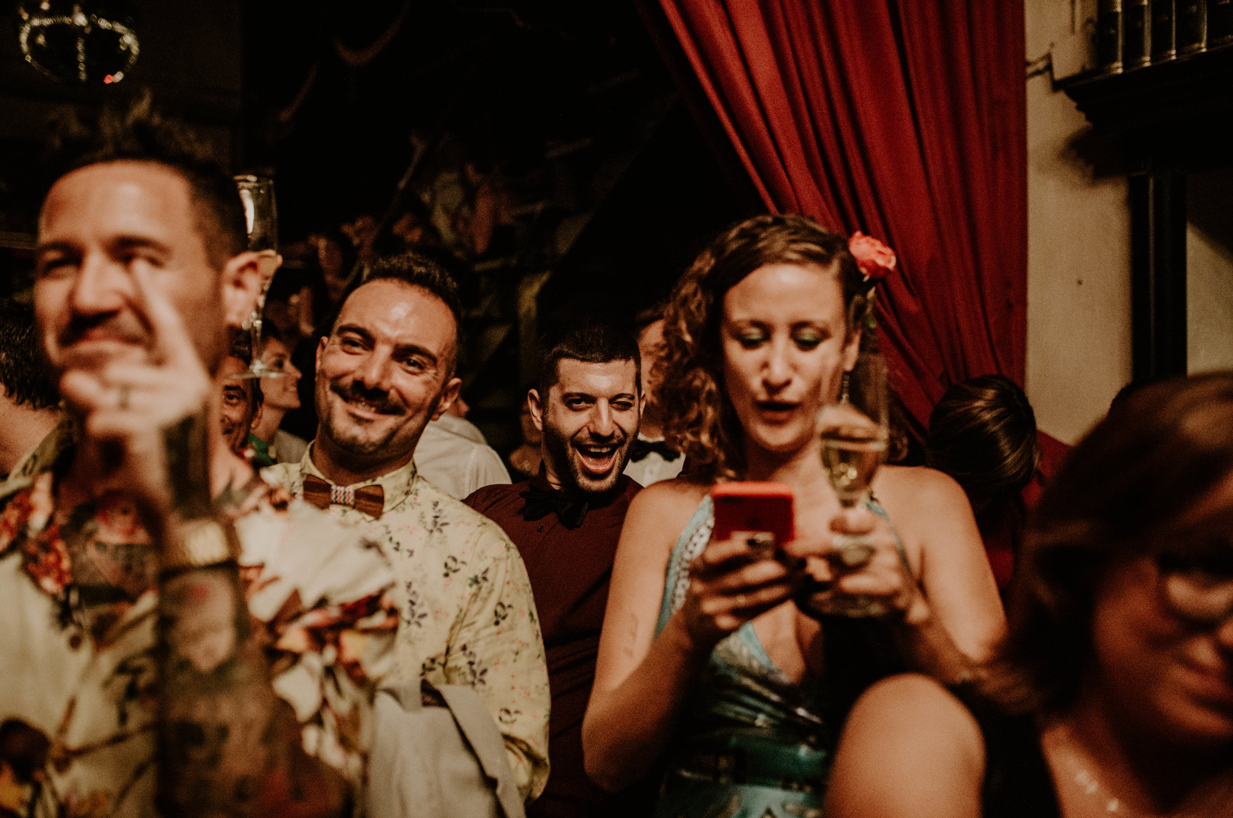 thenortherngirlphotography_bodasindustriales_bodasdiferentes_weddingphotographer_spanishphotographer_spanisgweddingphotographer_happyendings_mercantic_elsiglomercantic_antichrist_love_neon_weddingtattoo_CYNTHIAMANOLO-853.jpg