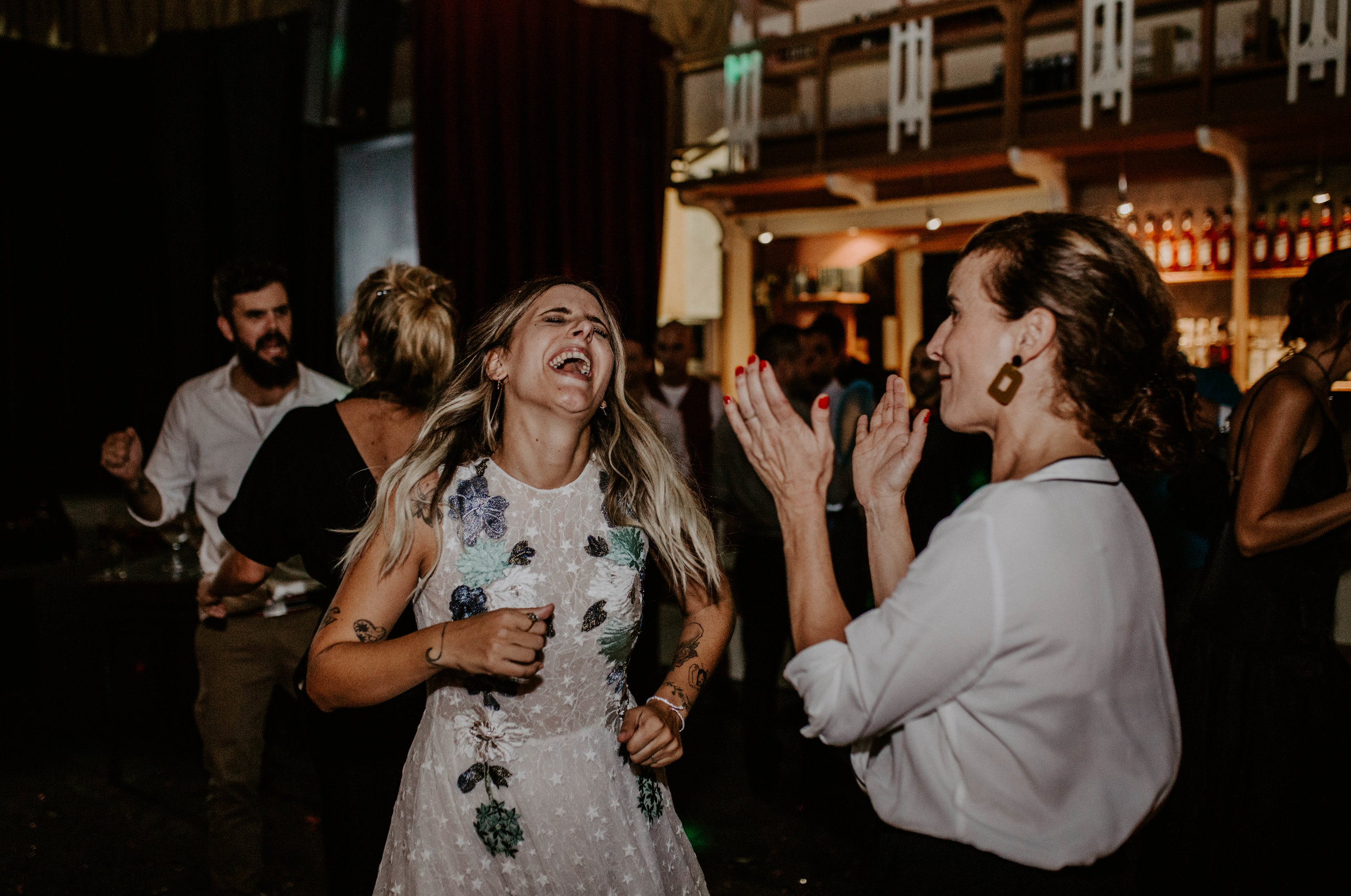 thenortherngirlphotography_bodasindustriales_bodasdiferentes_weddingphotographer_spanishphotographer_spanisgweddingphotographer_happyendings_mercantic_elsiglomercantic_antichrist_love_neon_weddingtattoo_CYNTHIAMANOLO-1000.jpg