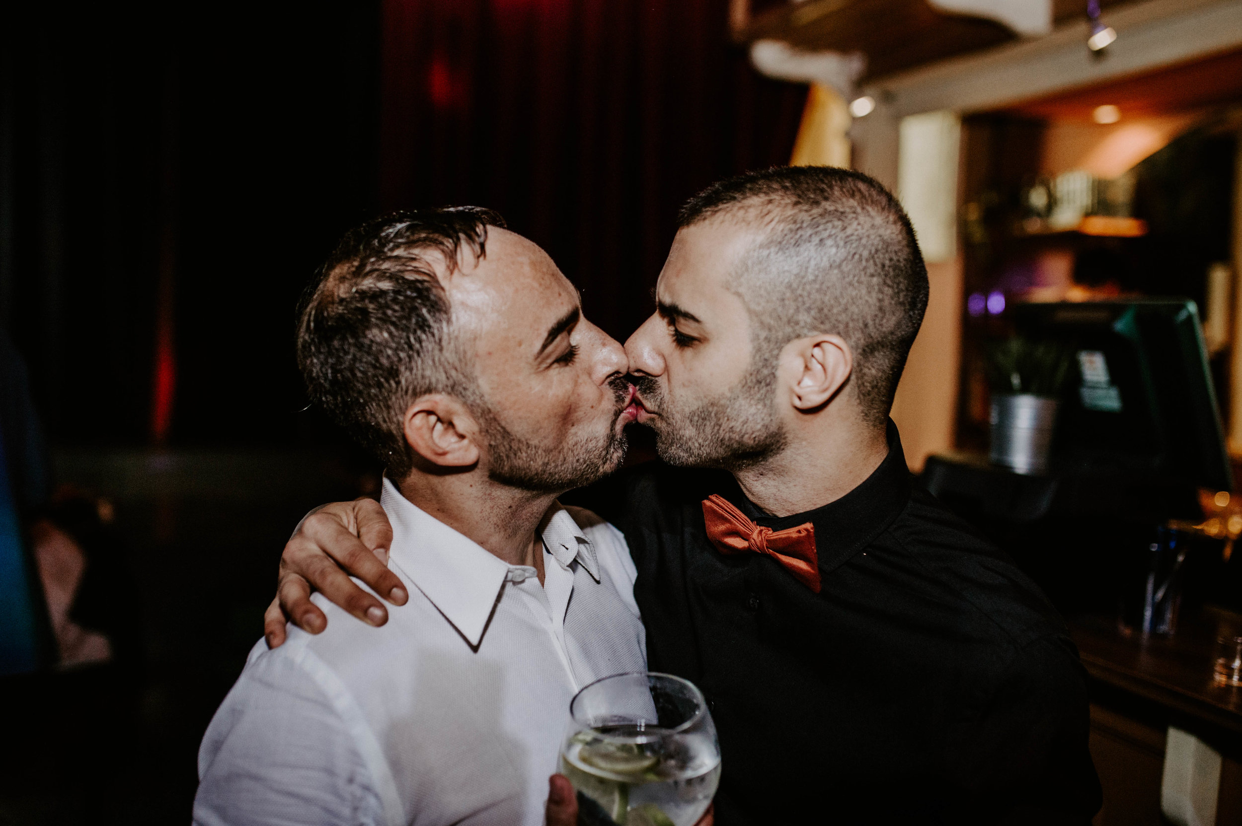 thenortherngirlphotography_bodasindustriales_bodasdiferentes_weddingphotographer_spanishphotographer_spanisgweddingphotographer_happyendings_mercantic_elsiglomercantic_antichrist_love_neon_weddingtattoo_CYNTHIAMANOLO-1096.jpg