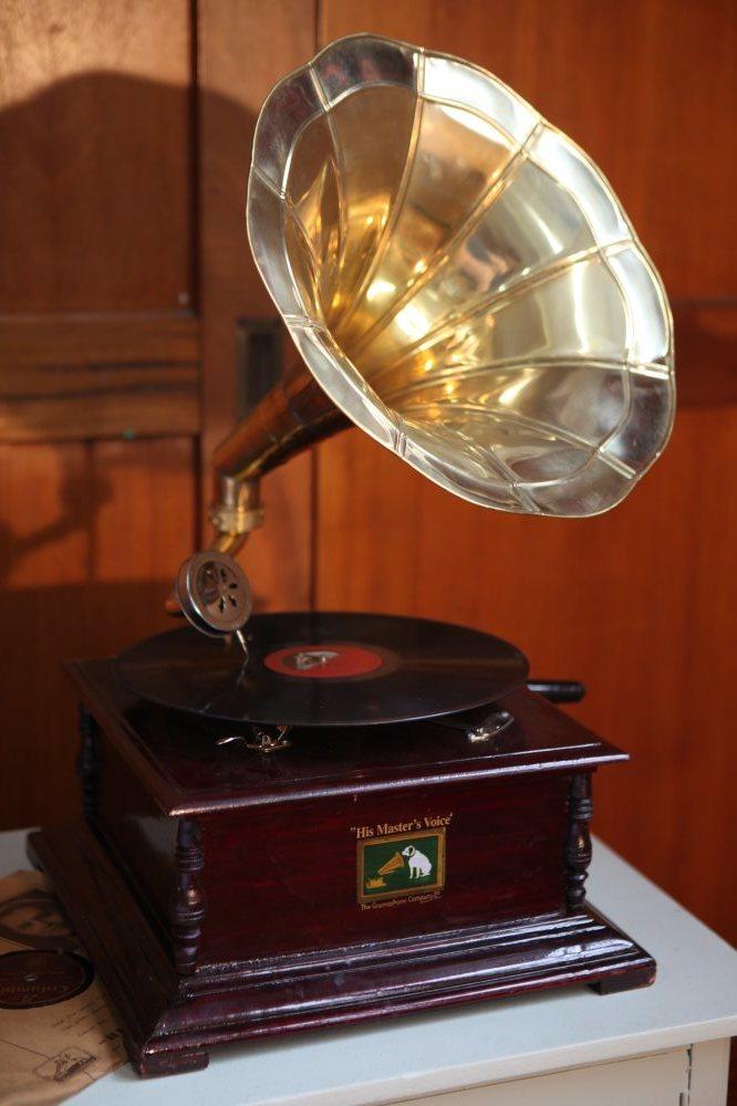 Replica vintage wind up gramophone