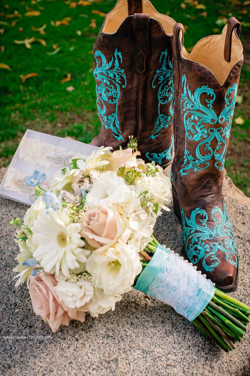 Casey & Brandon - The Flower Farm Inn Loomis - Sacramento Wedding Photographer - Ashley Teasley Photography--40.JPG