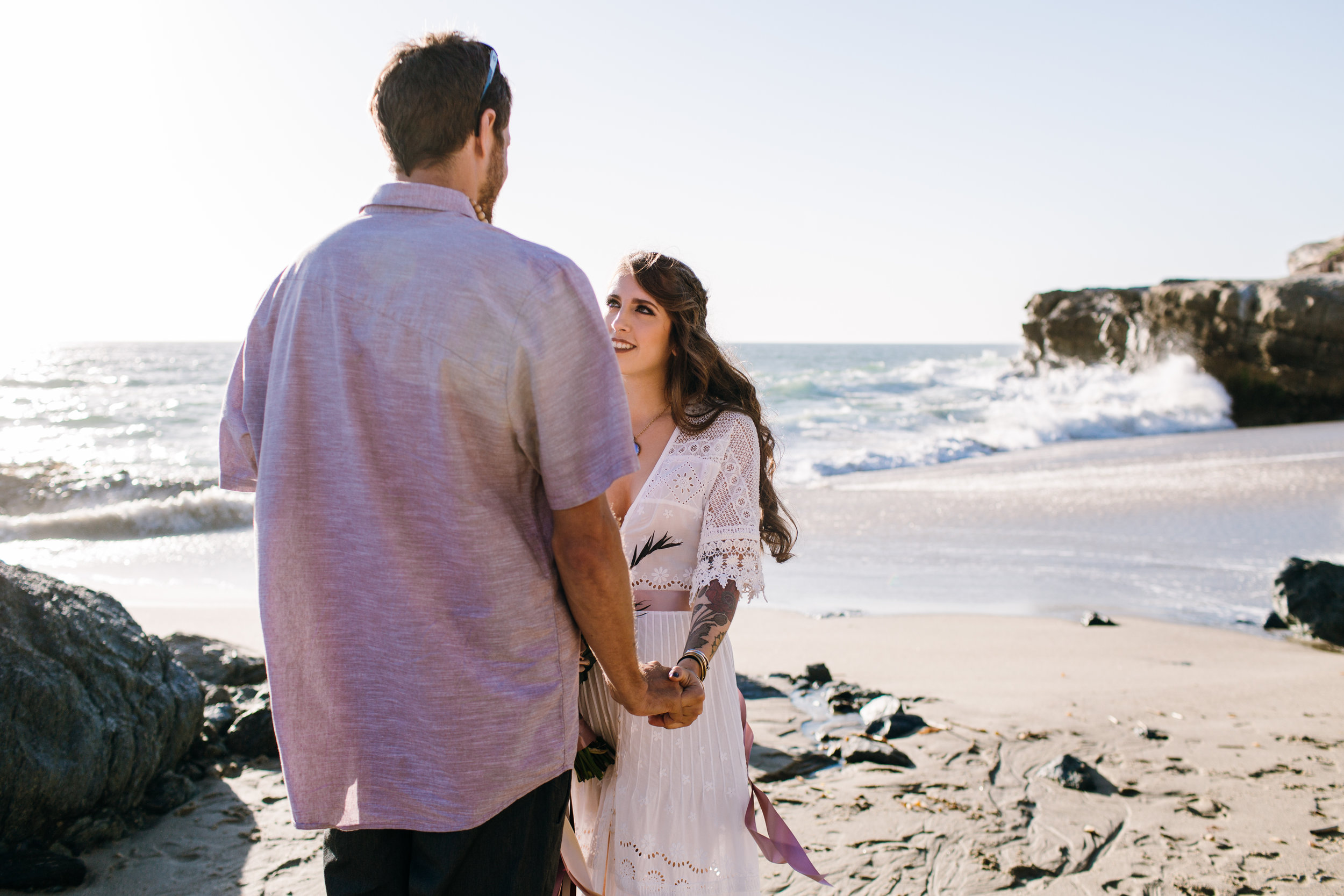 KaraNixonWeddings-LagunaBeach-Tablerock-Elopement-10.jpg