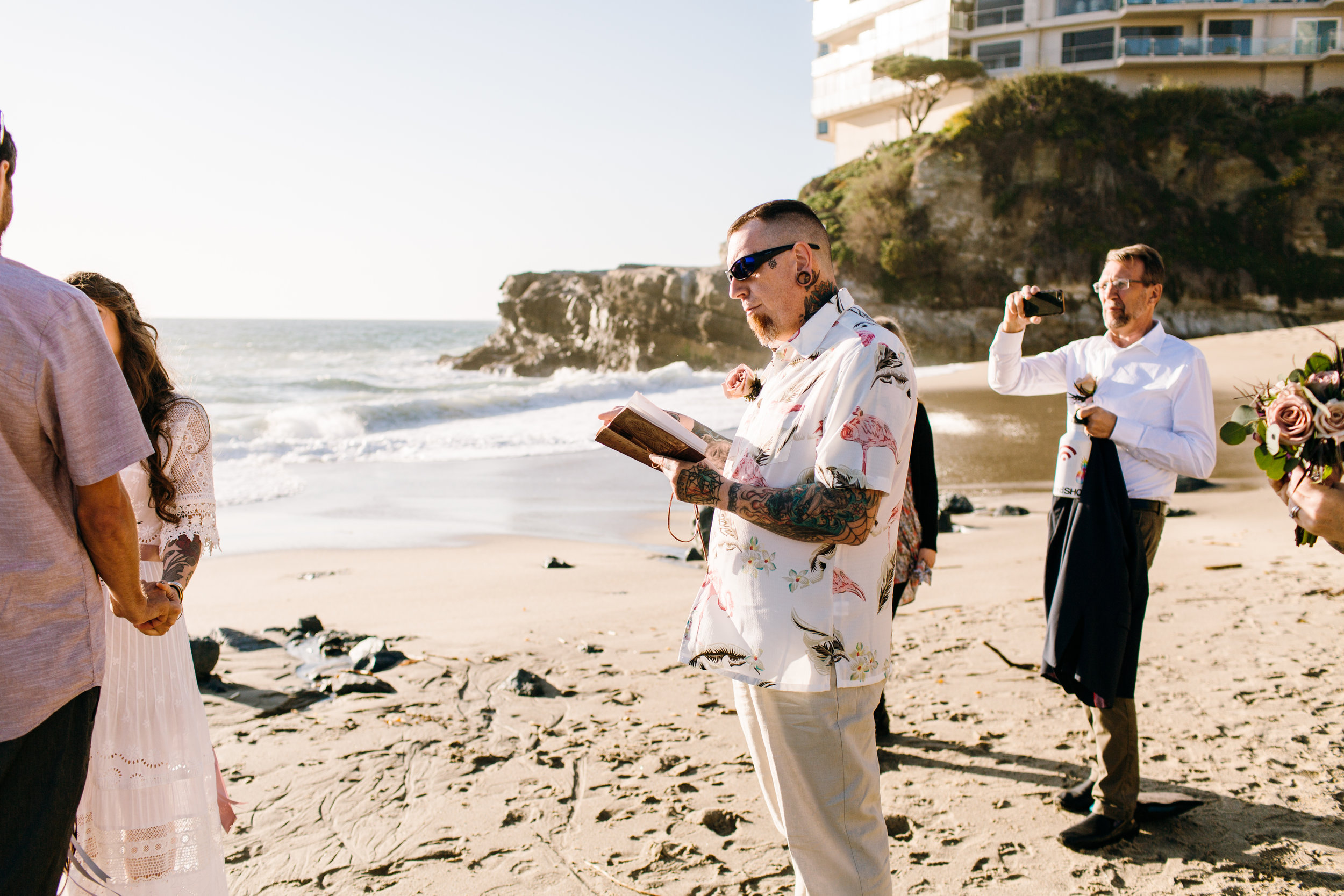 KaraNixonWeddings-LagunaBeach-Tablerock-Elopement-11.jpg