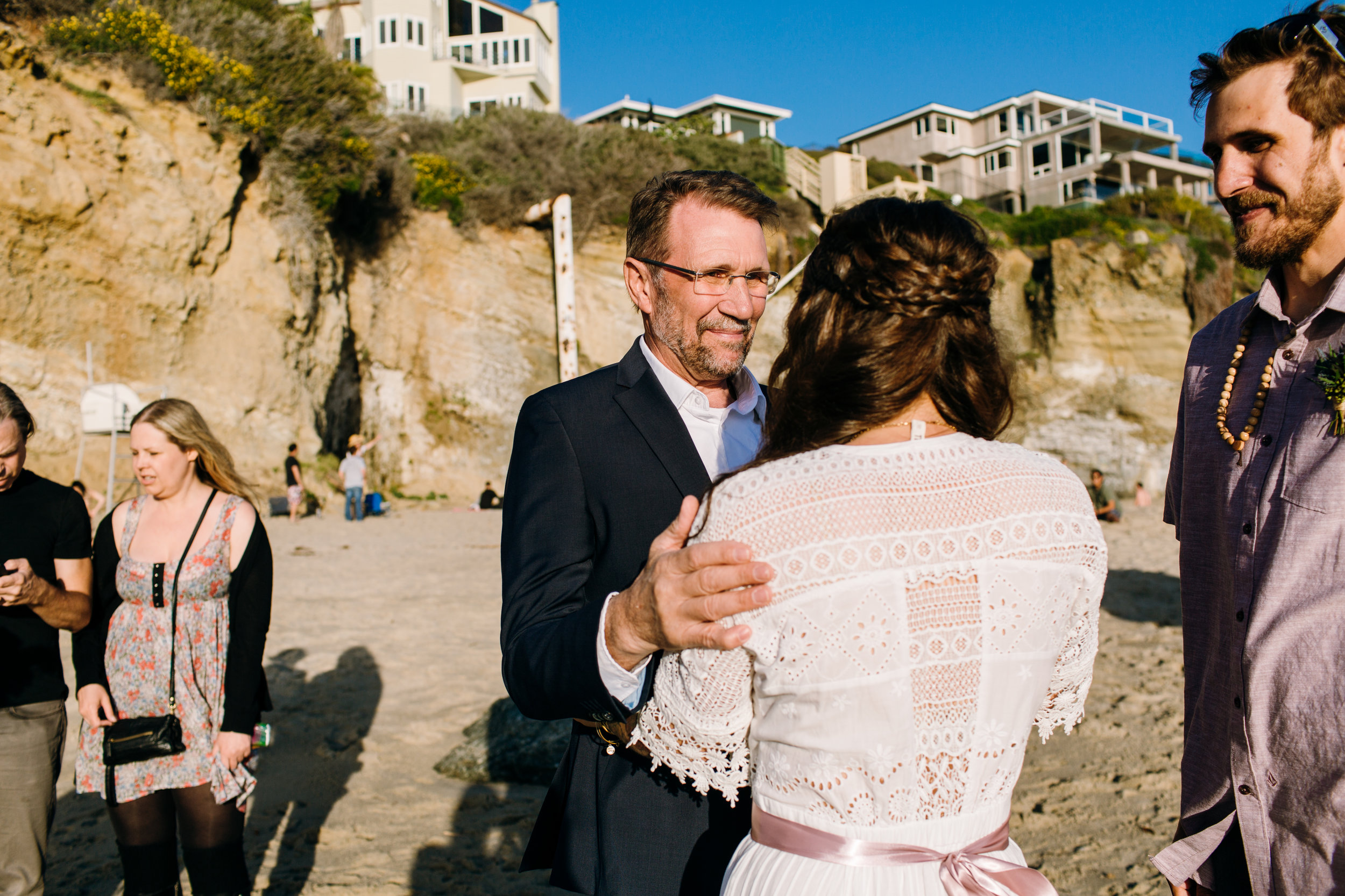 KaraNixonWeddings-LagunaBeach-Tablerock-Elopement-22.jpg
