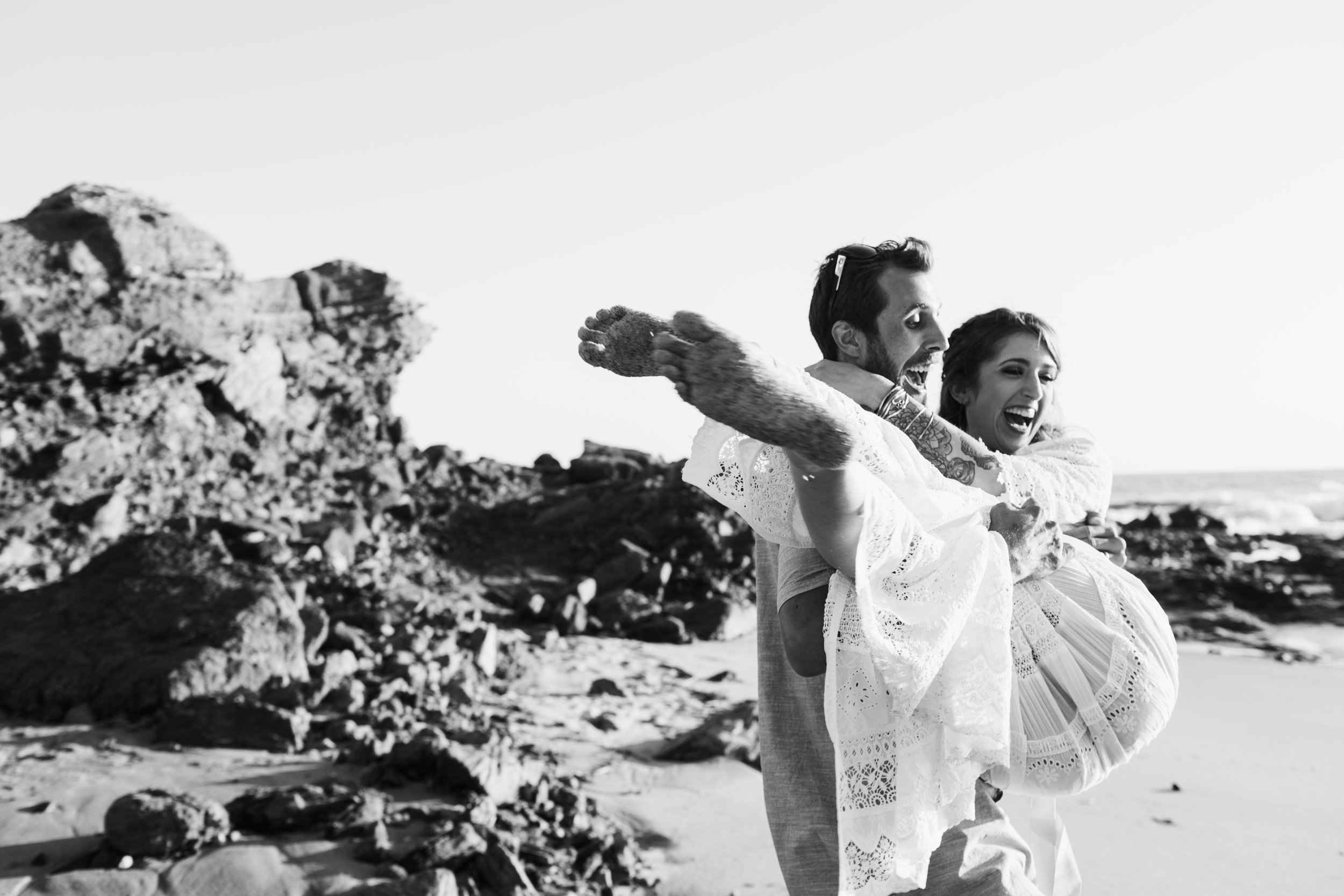 KaraNixonWeddings-LagunaBeach-Tablerock-Elopement-40.jpg