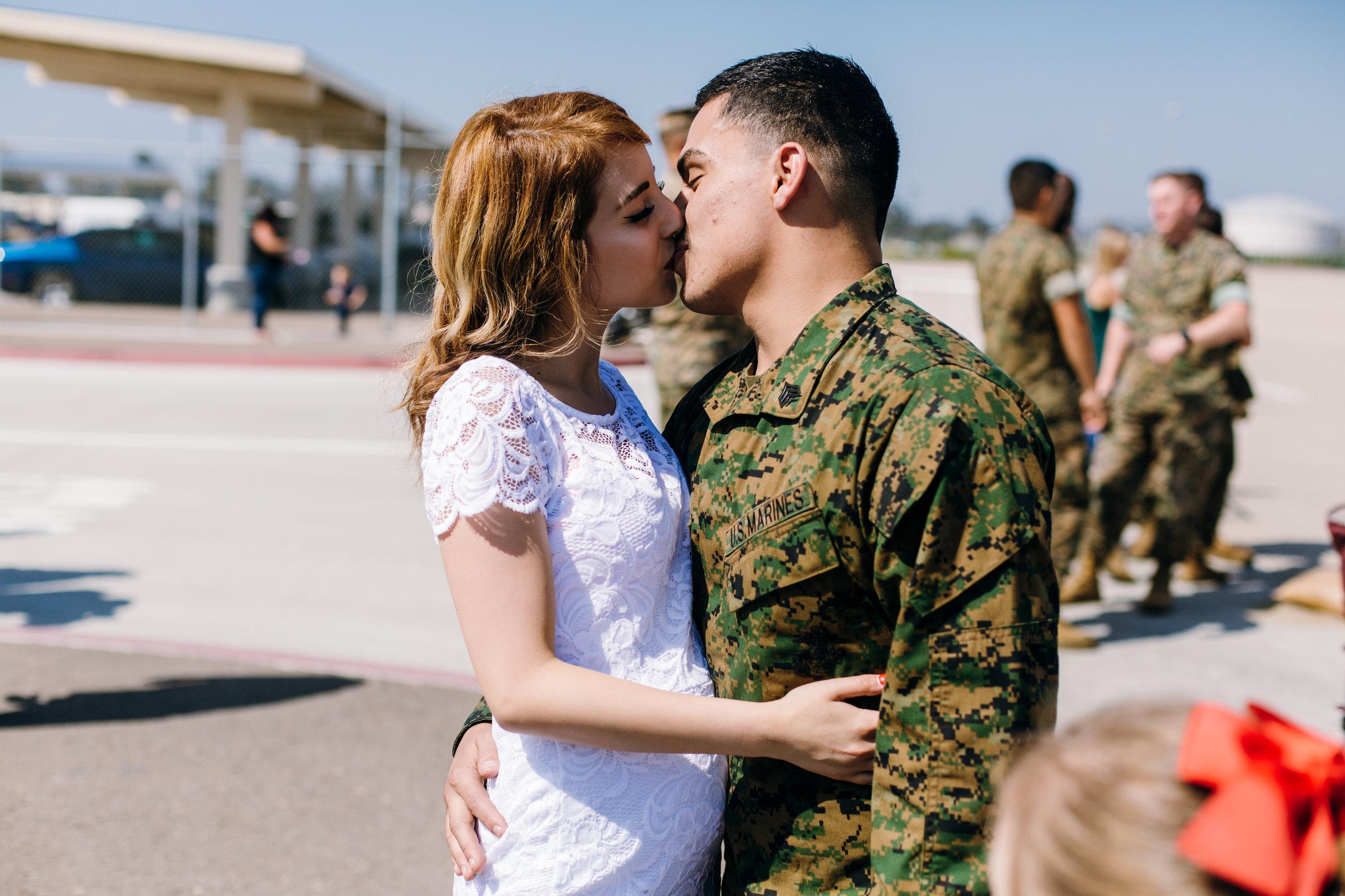 KaraNixonWeddings-SanDiego-MilitaryHomecoming-31.jpg