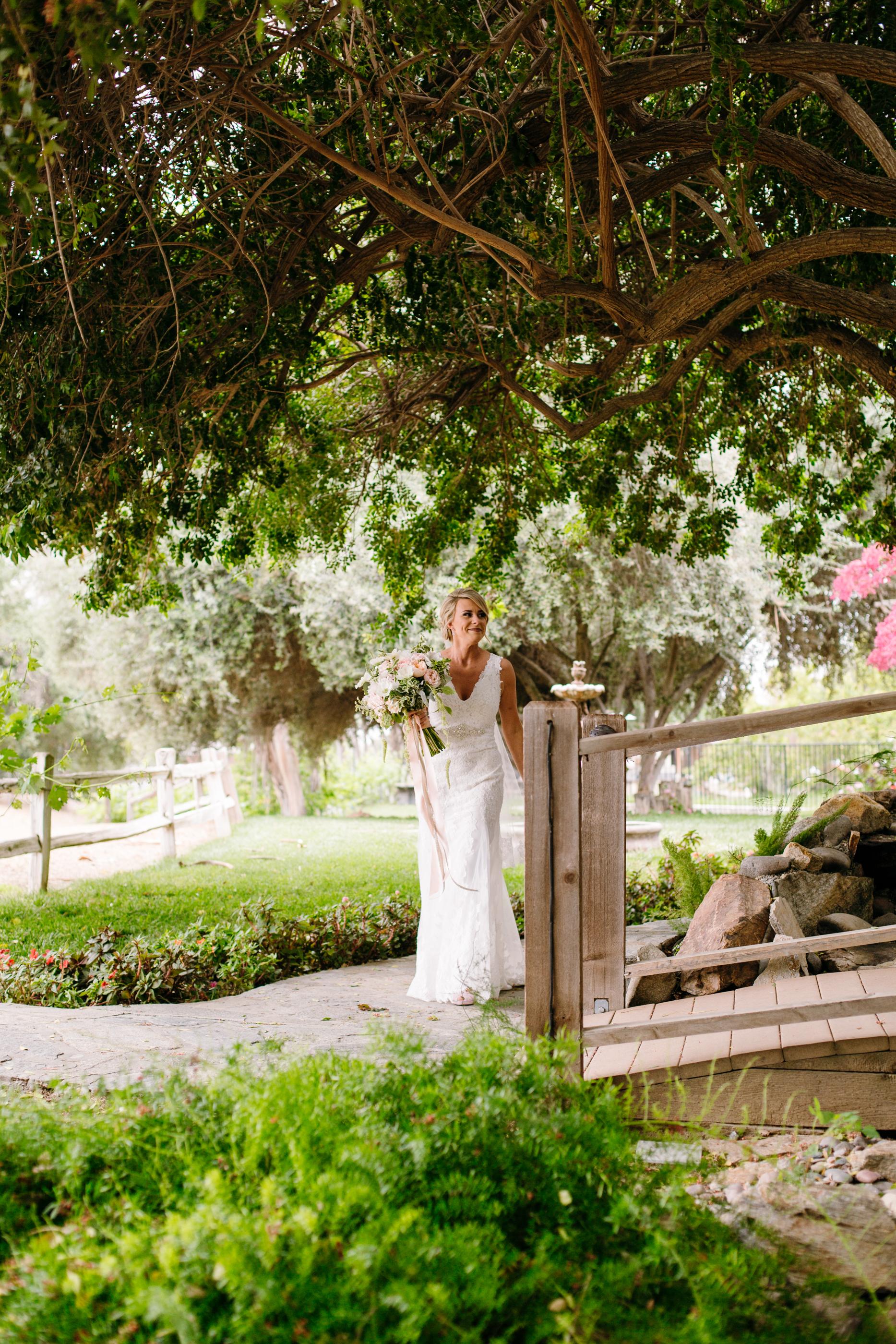 KaraNixonWeddings-LakeOakMeadows-Temecula-Wedding-14.jpg