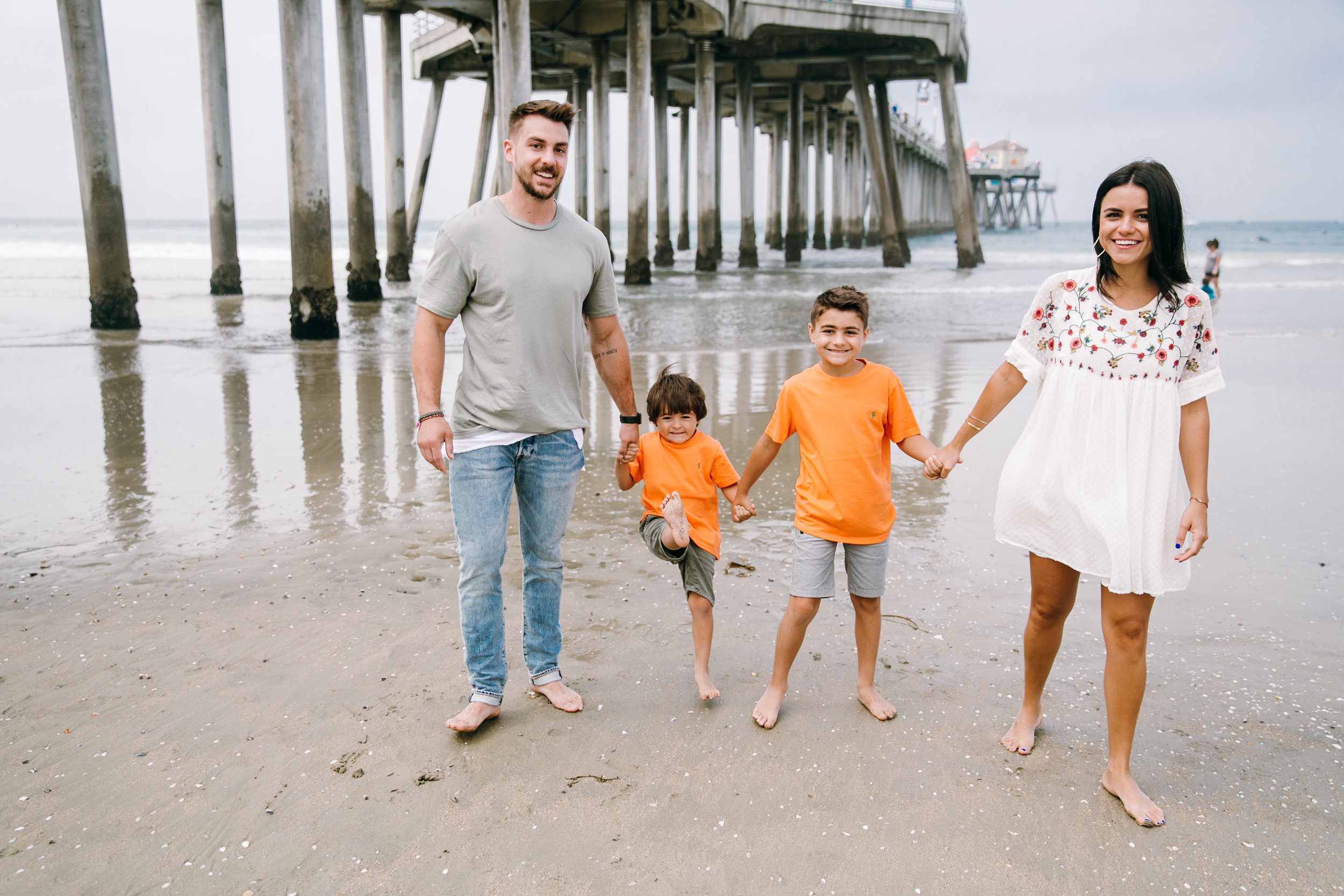 KaraNixonWeddings-HuntingtonBeach-FamilyPhotos-9.jpg