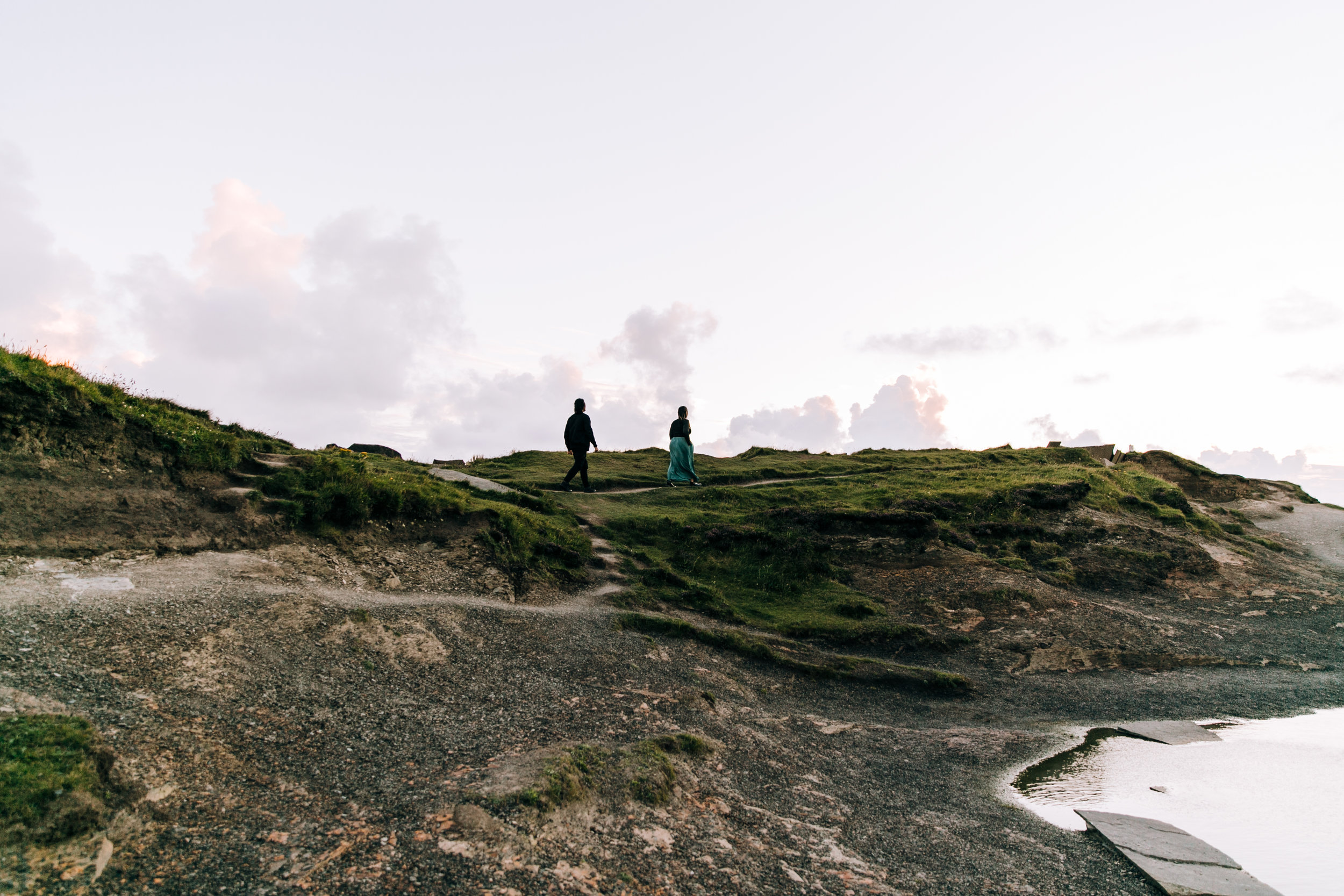 KaraNixonWeddings-CliffsofMoher-Ireland-12.jpg