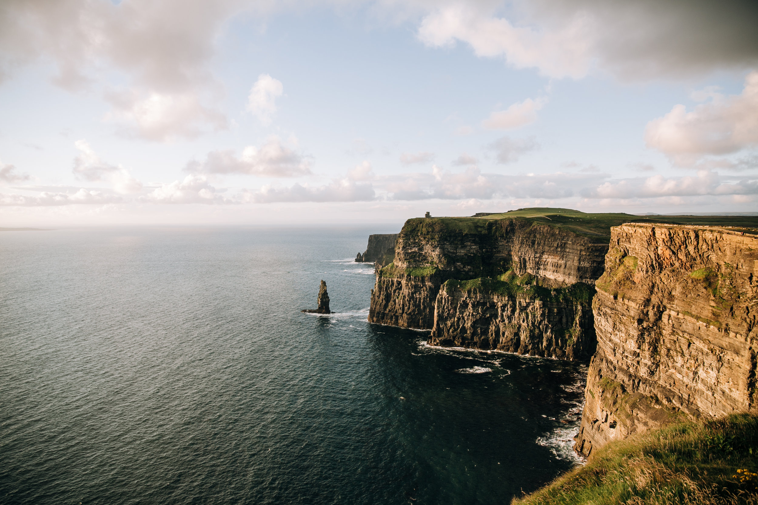 KaraNixonWeddings-CliffsofMoher-Ireland-18.jpg