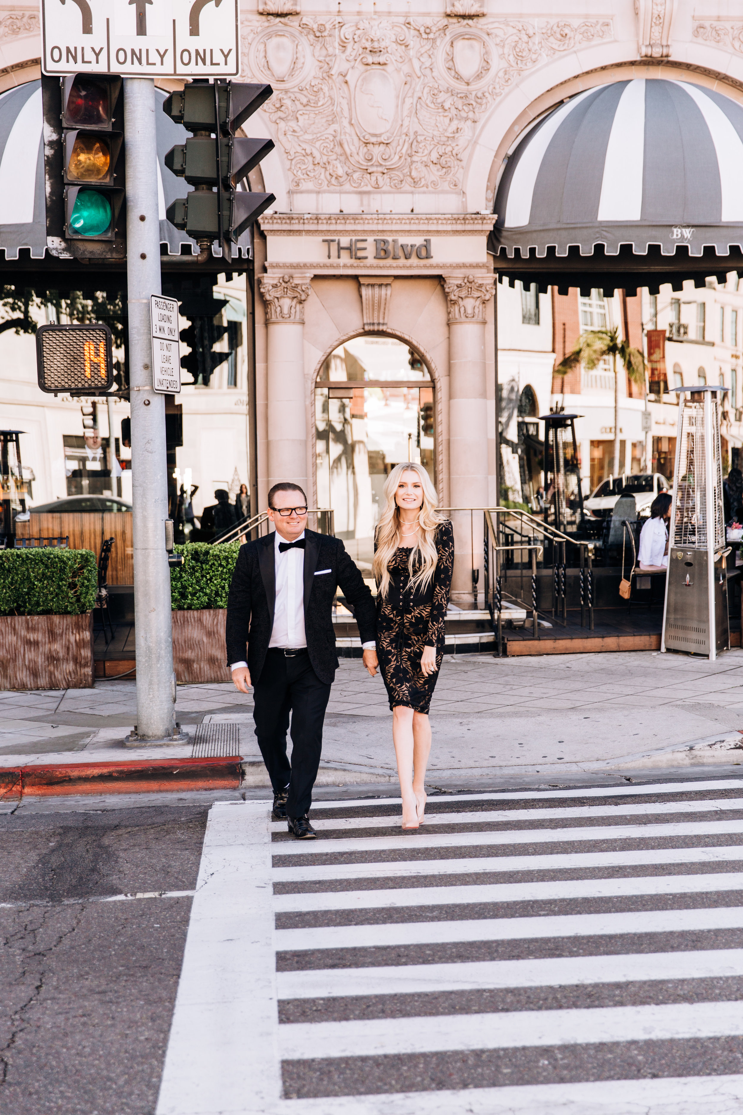 KaraNixonWeddings-BeverlyHills-RodeoDr-Engagement-14.jpg