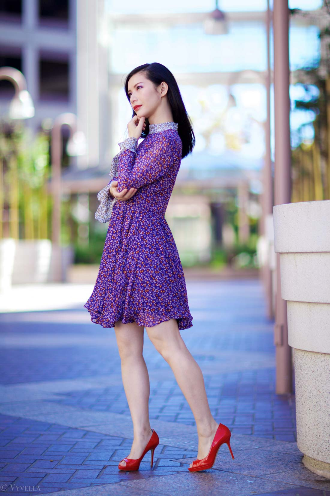 looks_purple-floral-dress_01.jpg