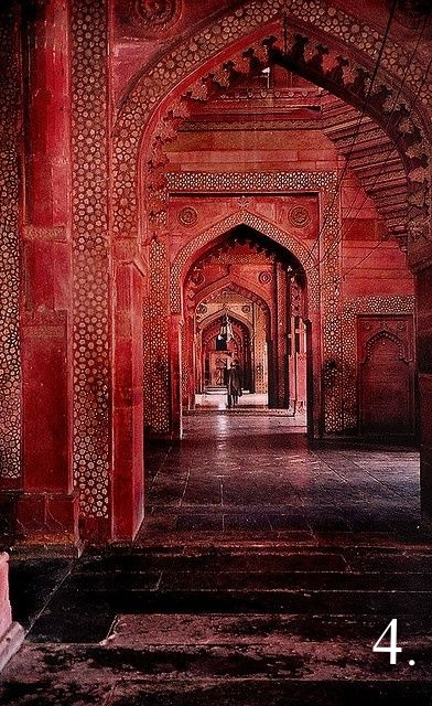India_red_temple.jpg