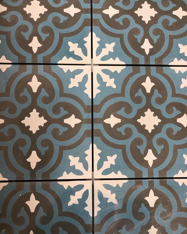 B A T H R O O M • tiles going in for the floor and walls of a new bathroom we're currently doing in Oldfield Park- all from @ripplesbathrooms 💧 #bathroom #builders #projectmanager #tiles #floortiles #walltiles #bathroomideas #cityofbath #bathroomfitting #bathroomfitters #interiors #interiorsdesign #bathroomgoals #bathroomdecor #bathroomremodel #bathroomtiles #bathroomrenovation #greybathroom