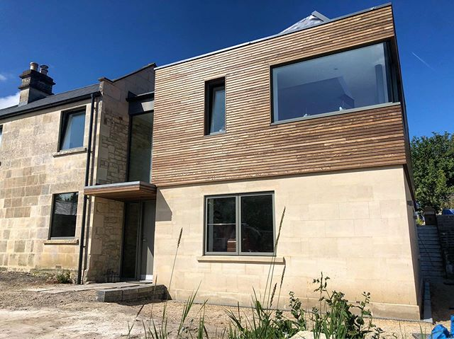 E X T E N S I O N • scaffolding is down 💃🏻🕺 on this beautiful house renovation and extension that we were very chuffed to be a big part of along with many other brilliant tradespeople; hands down the most important was @alexcorcorandesigns who was there from the first to the last day - missing you already Al!!! 🤗#buildingproject #projectmanager #projectmanagement #buildingwork #cityofbath #bathuk #igersbath #bathigers #lansdown #mountbeacon #thermoash #cladding #bathstone @idealcombiuk @finelineuk @oliverhazaelcarpentry #buildingwork #reno #architecture #residentialarchitecture
