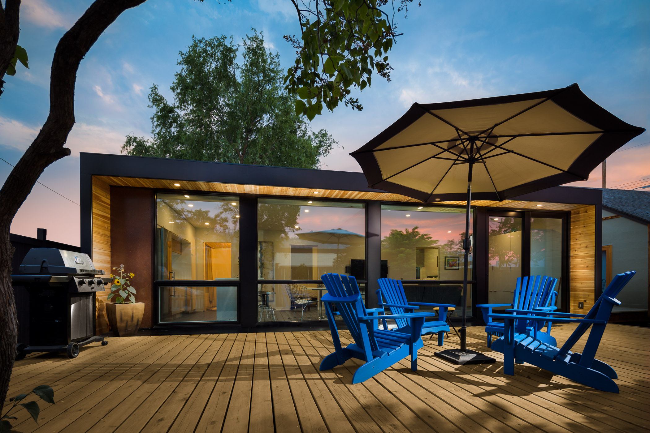 H04 Container Home Patio.jpg